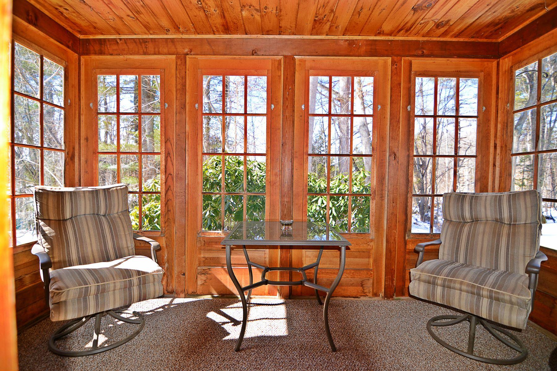 共管式独立产权公寓 为 销售 在 674 Elm Street 26, Laconia 674 Elm St 26 拉科尼亚, 新罕布什尔州 03246 美国
