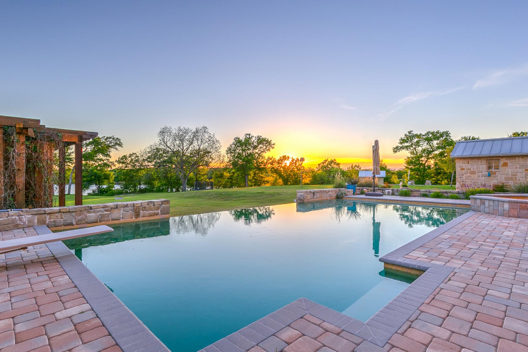 Casa Unifamiliar por un Venta en Silverado on the Brazos 2411 Cactus Rio Ln Weatherford, Texas 76087 Estados Unidos