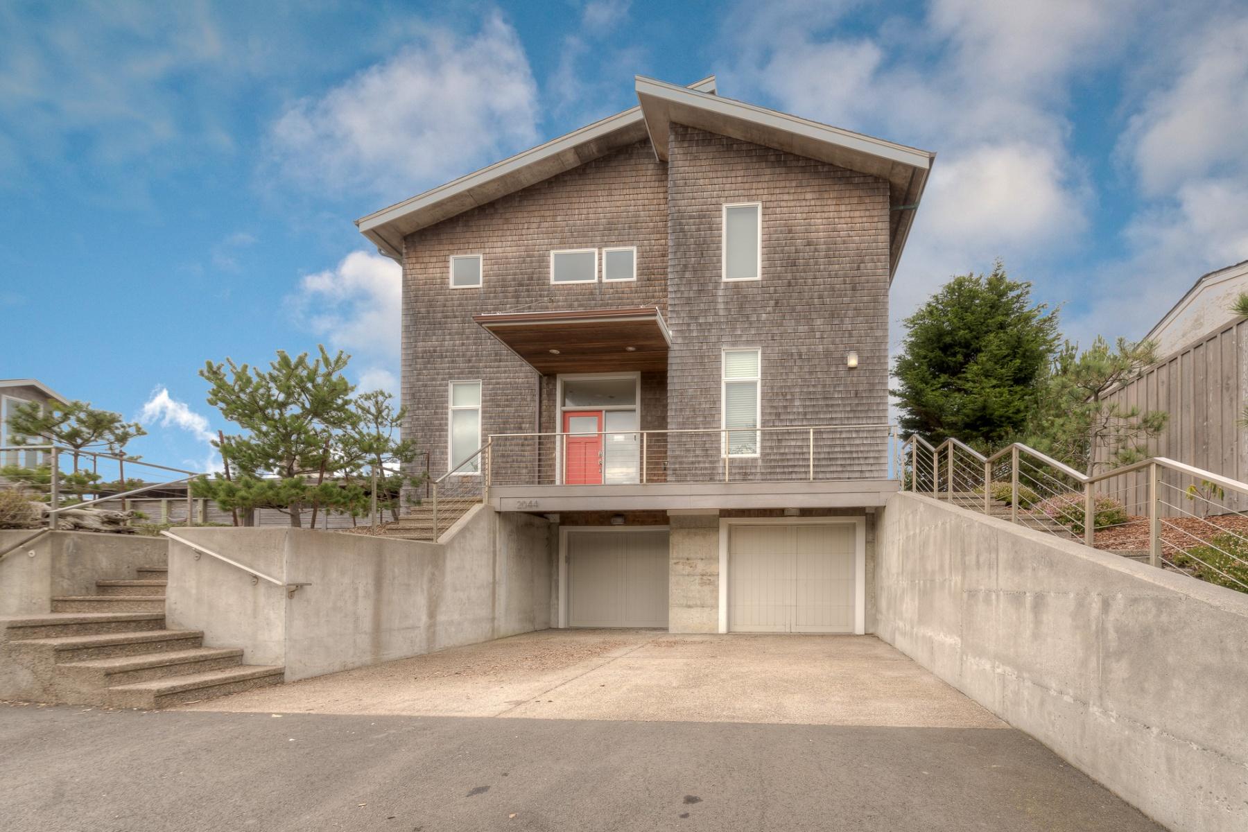 Nhà ở một gia đình vì Bán tại 2044 N Ocean AVE, GEARHART, OR Seaside, Oregon, 97138 Hoa Kỳ