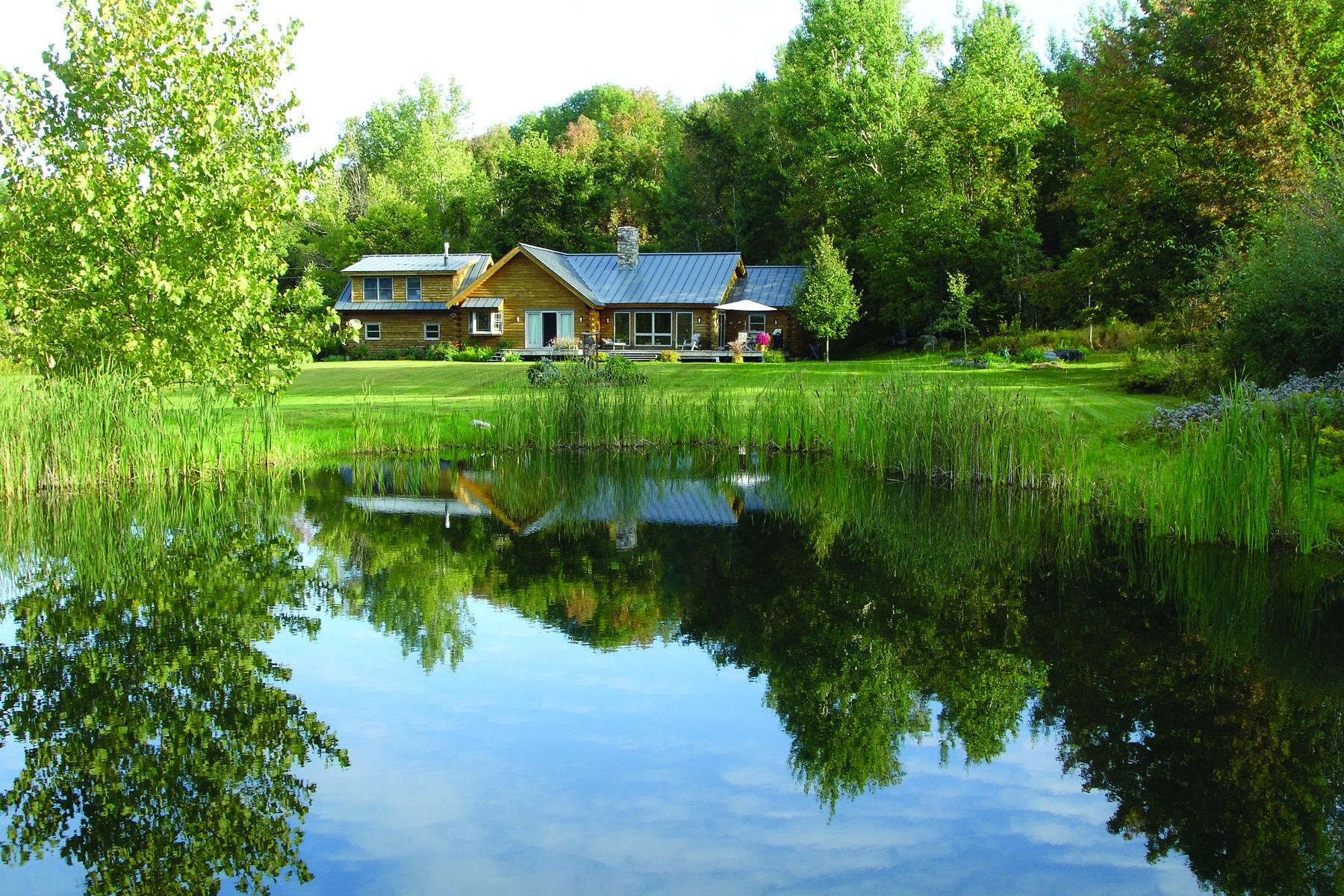 独户住宅 为 销售 在 Country Chic Log Home 55 Kelley Hill Rd 丹比, 佛蒙特州 05739 美国