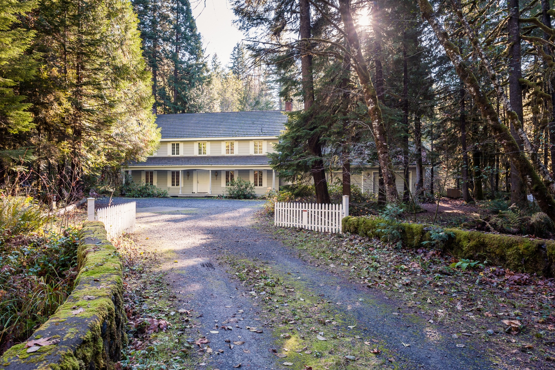 Single Family Home for Sale at 56948 North Bank Road, MCKENZIE BRIDGE 56948 North Bank Rd McKenzie Bridge, Oregon, 97413 United States