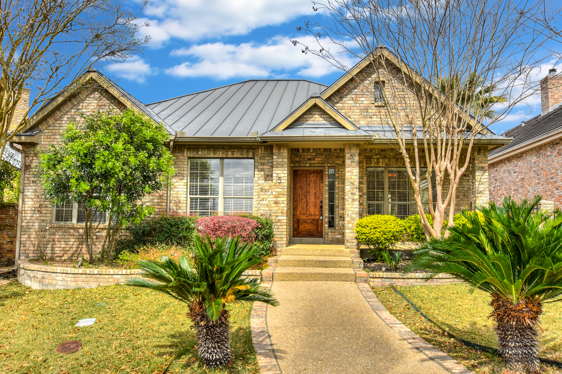 Single Family Home for Rent at Beautiful Rental in The Dominion 5 Burnham Glen San Antonio, Texas 78257 United States