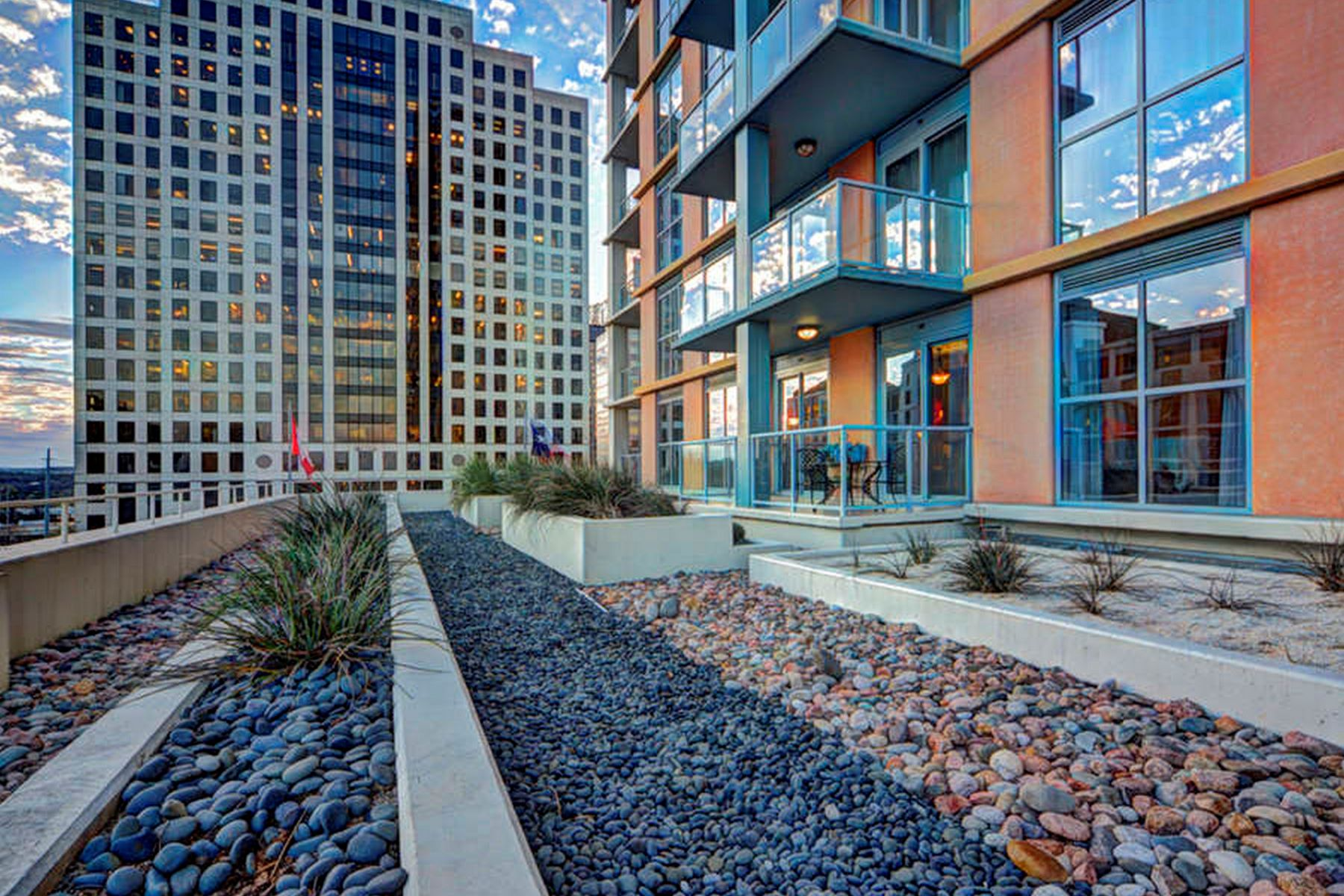 Condominium for Sale at Sophisticated Elegance, Four Seasons Residences 98 San Jacinto Blvd 601 Austin, Texas 78701 United States