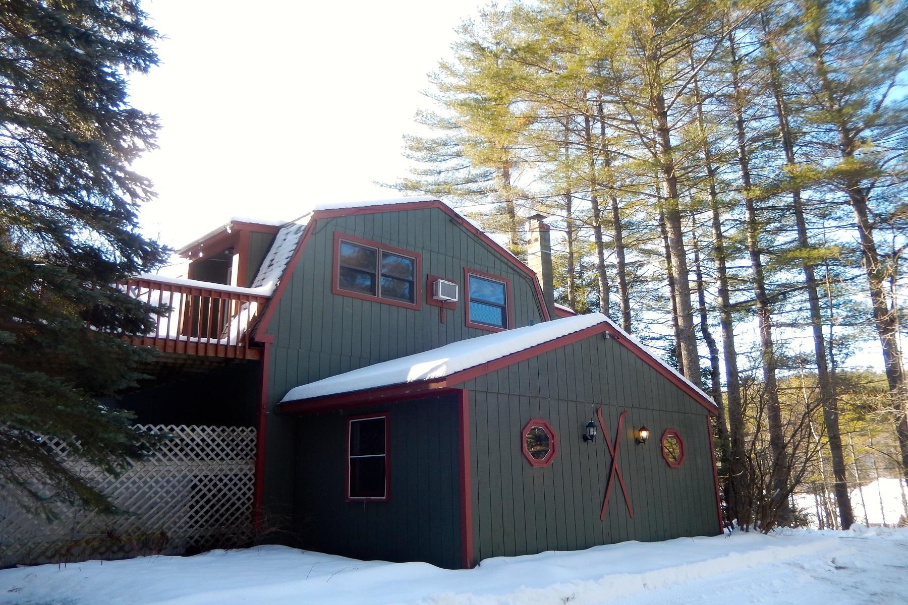 Nhà ở một gia đình vì Bán tại Spacious - Affordable - Versatile 1810 Route 103 Cavendish, Vermont, 05142 Hoa Kỳ