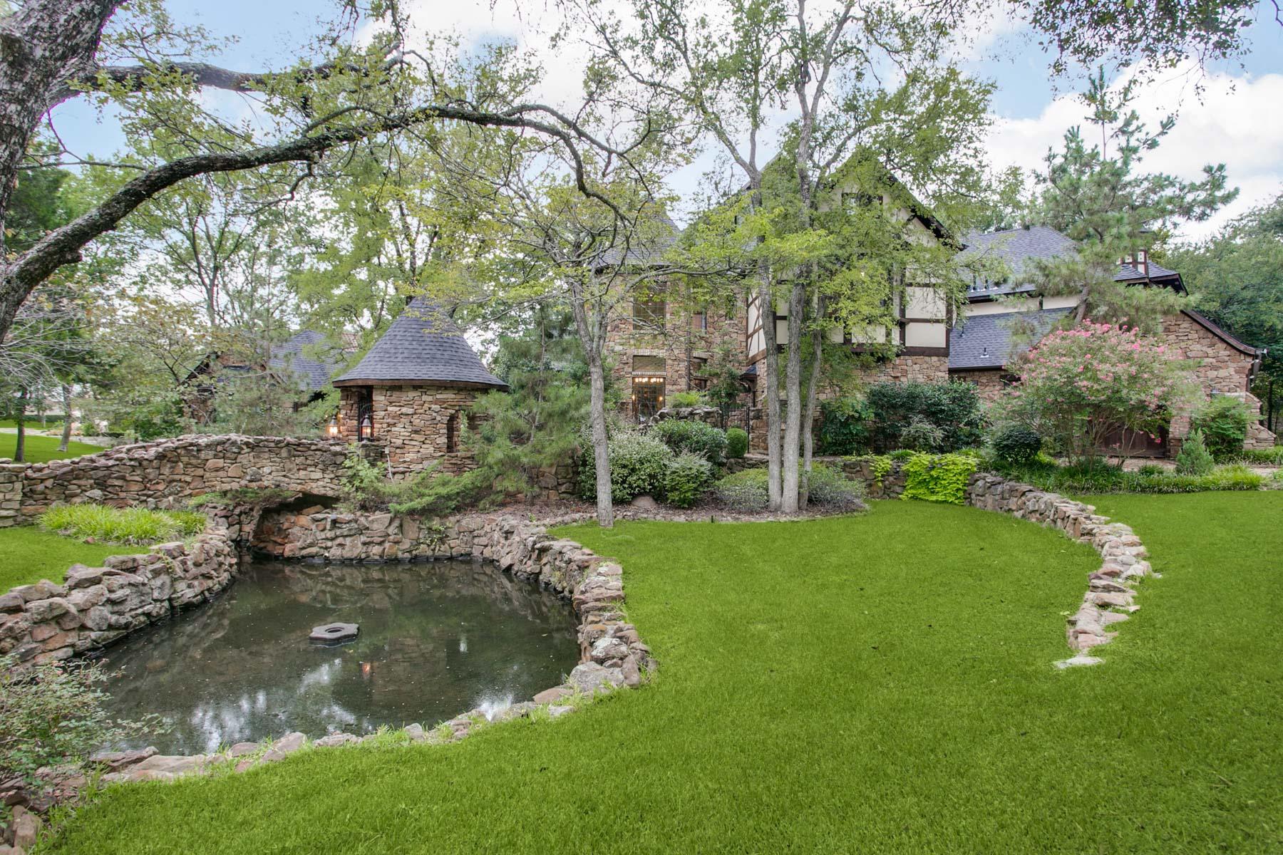 Casa Unifamiliar por un Venta en Tour 18 Estates Tudor 4605 Tour 18 Flower Mound, Texas 75022 Estados Unidos