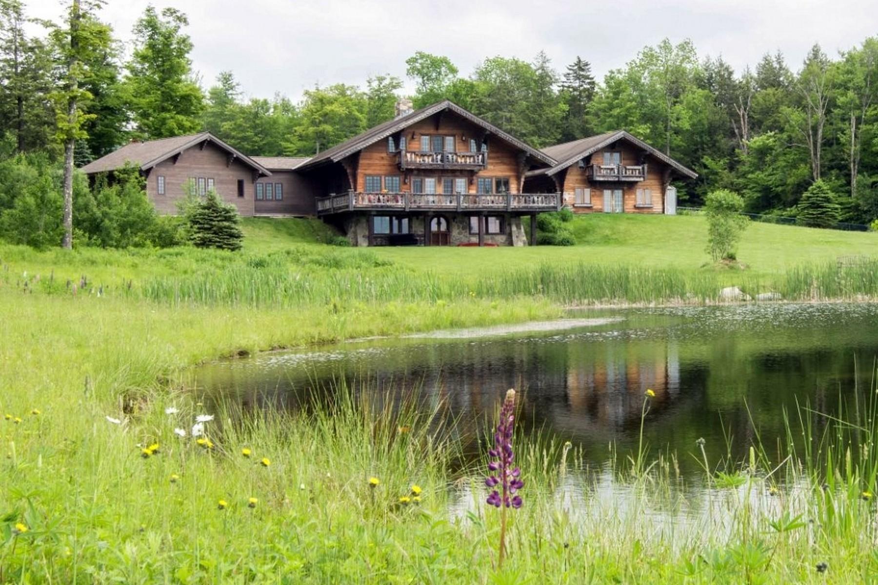 Maison unifamiliale pour l Vente à Lippitt Mountain Farm 121 Acres, Pond, Views, Priv 76 Cody Rd Landgrove, Vermont, 05148 États-Unis