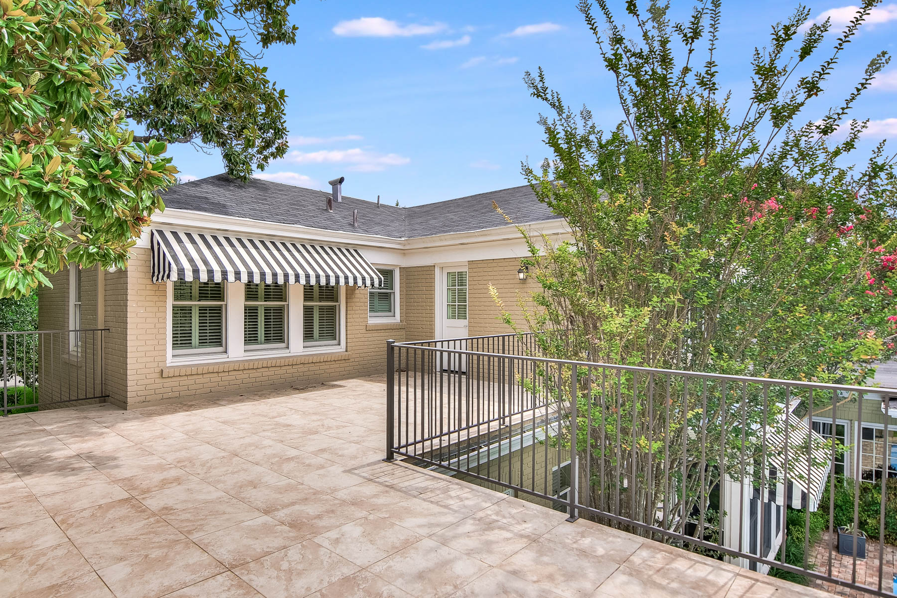Additional photo for property listing at Magnificent Home in the Heart of Olmos Park 214 E Mandalay Dr San Antonio, Texas 78212 United States