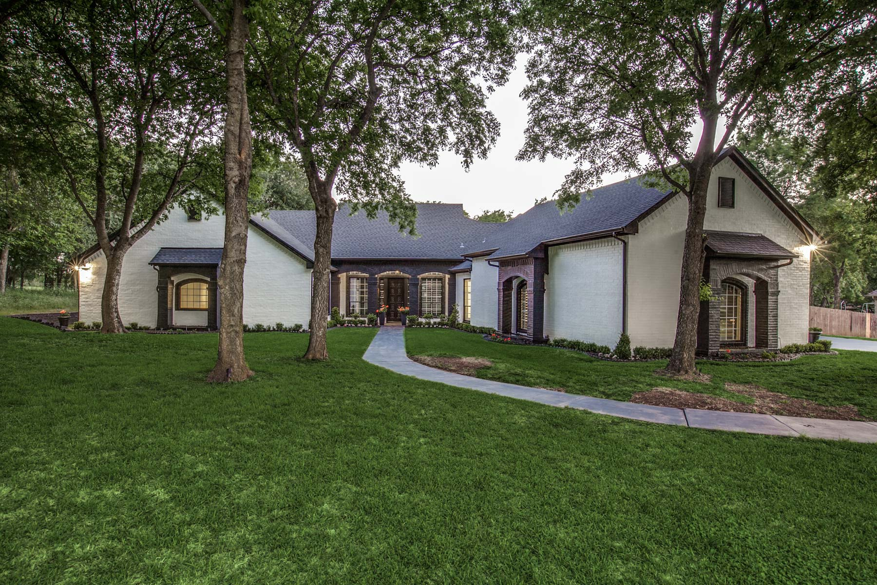 Single Family Home for Sale at Stunning Home Lake Ridge 2708 Waters Edge Dr Cedar Hill, Texas 75104 United States