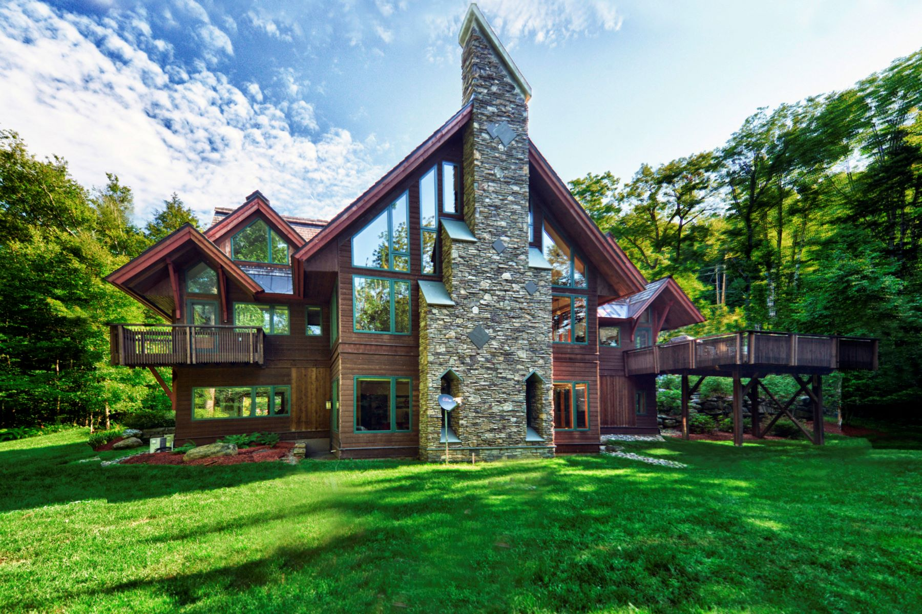 واحد منزل الأسرة للـ Sale في Simply one of the most beautiful homes in Vermont! 40 East Ash Plymouth, Vermont, 05056 United States