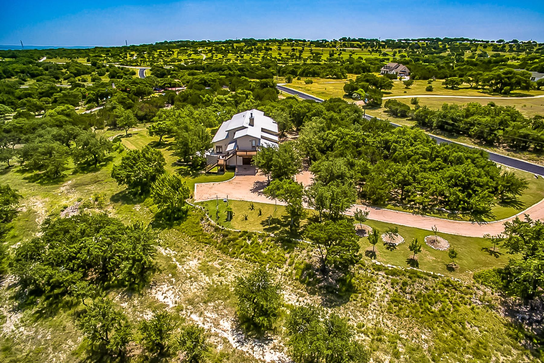 Ferme / Ranch / Plantation pour l Vente à Panoramic Views of the Hill Country 140 Granite Ridge Dr Spicewood, Texas, 78669 États-Unis