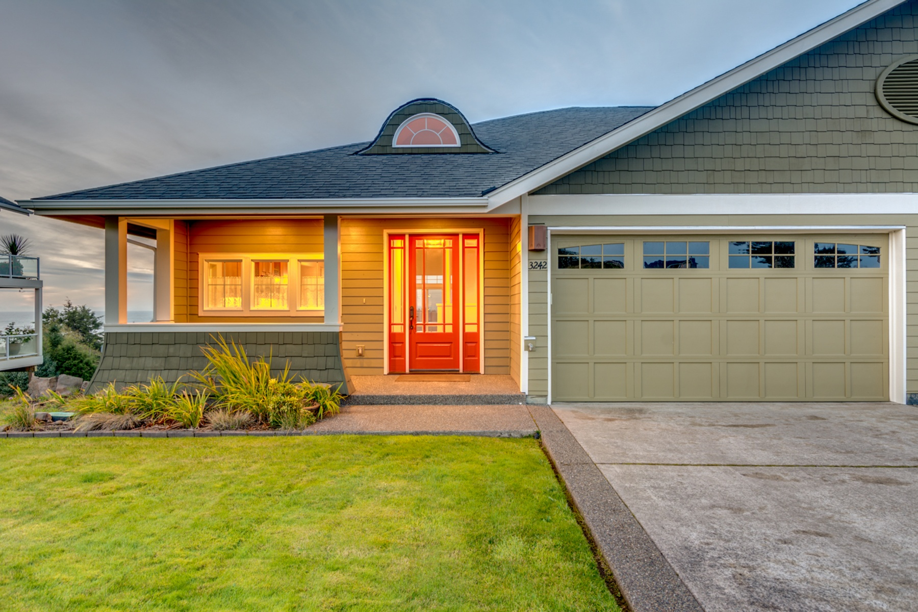 Single Family Home for Sale at Luxury Townhome in Ilwaco 3242 OVERLOOK Loop Ilwaco, Washington 98624 United States