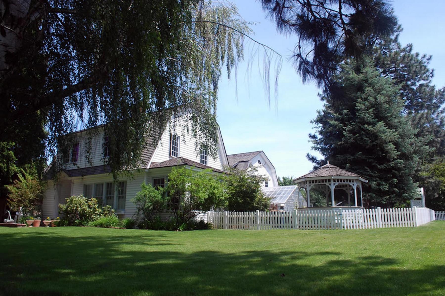 Maison unifamiliale pour l Vente à Historic Bend Riverside Home 708 NW Riverside Blvd Bend, Oregon, 97703 États-Unis