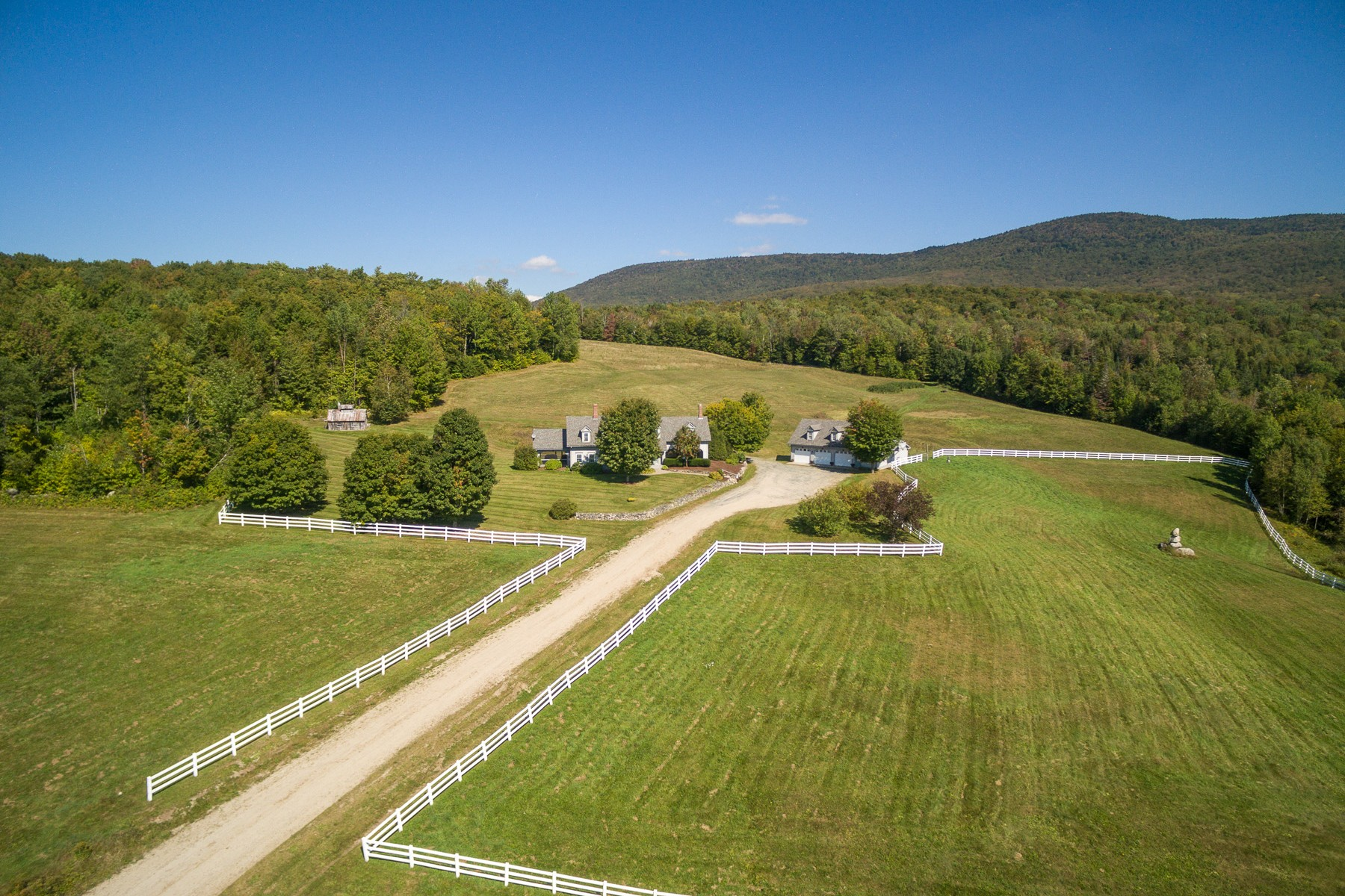 Casa Unifamiliar por un Venta en Flower Brook Meadows 637 Flower Brook Rd Burke, Vermont, 05871 Estados Unidos