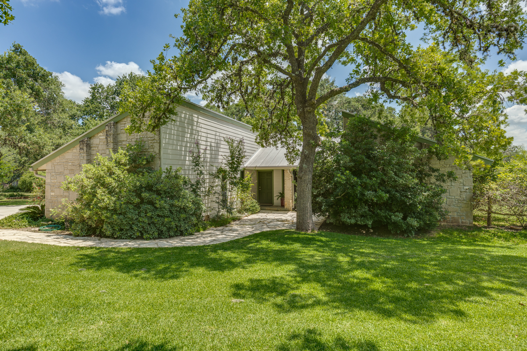 Additional photo for property listing at Spectacular Property in Boerne 141 Cascade Caverns Rd Boerne, Texas 78006 United States