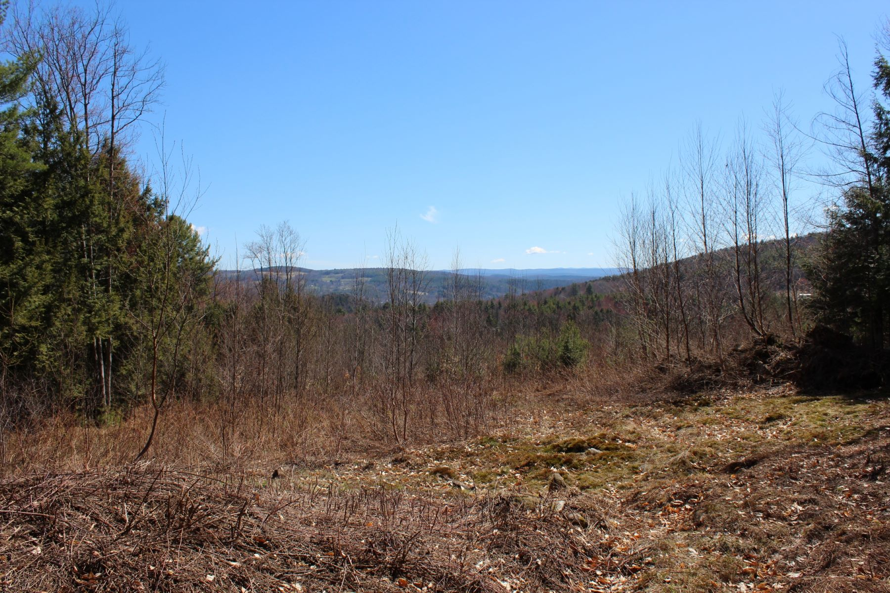 Terreno por un Venta en Near your favorite ski areas 20 Filion Drive, Lot #7 Springfield, Vermont, 05156 Estados Unidos