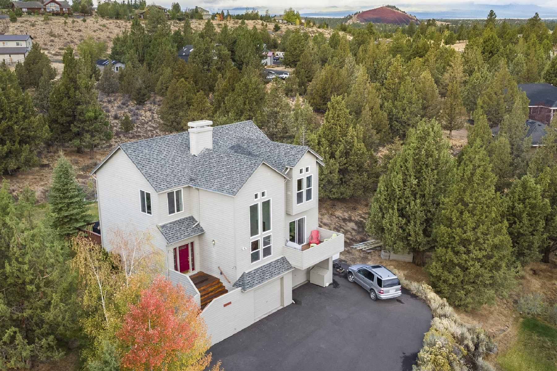 Maison unifamiliale pour l Vente à 59769 Calgary Loop, BEND Bend, Oregon, 97702 États-Unis