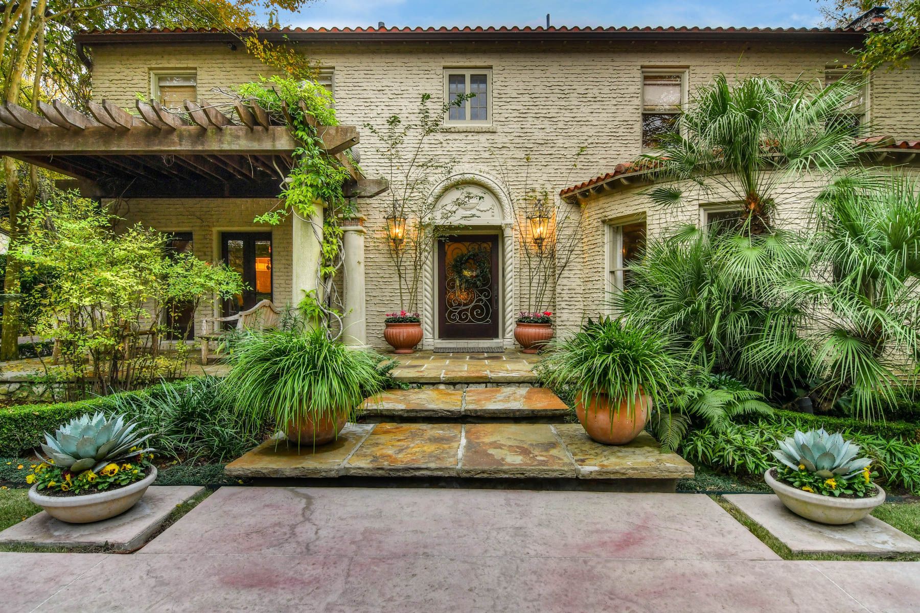 Single Family Home for Sale at Vintage 1920's Olmos Park Estate 408 Park Dr San Antonio, Texas 78212 United States