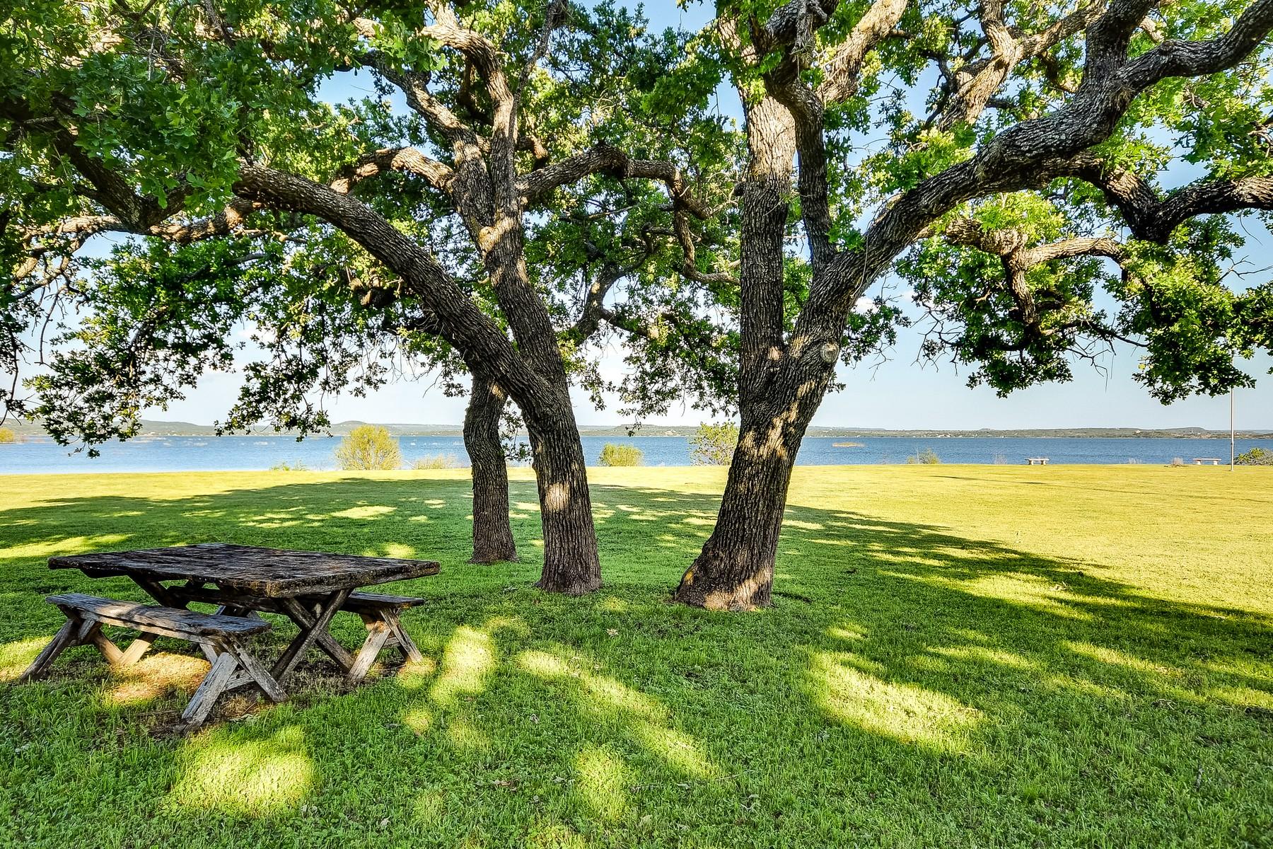 Casa Unifamiliar por un Venta en Spectacular Panoramic Views on Lake Buchanan 112 South East Ct Bluffton, Texas 78607 Estados Unidos