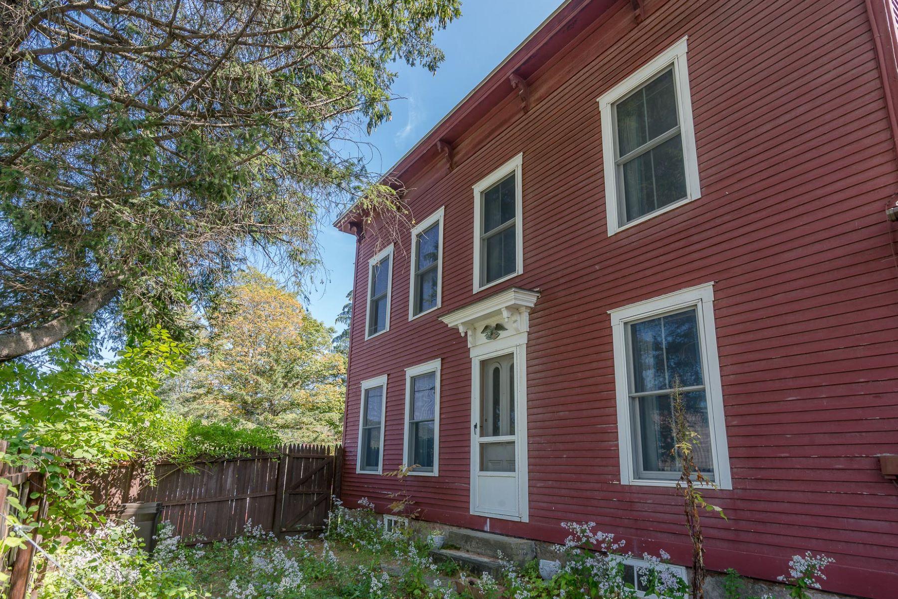 Частный односемейный дом для того Продажа на Old World Charm Meets Location 697 Main, Weston, Вермонт, 05161 Соединенные Штаты
