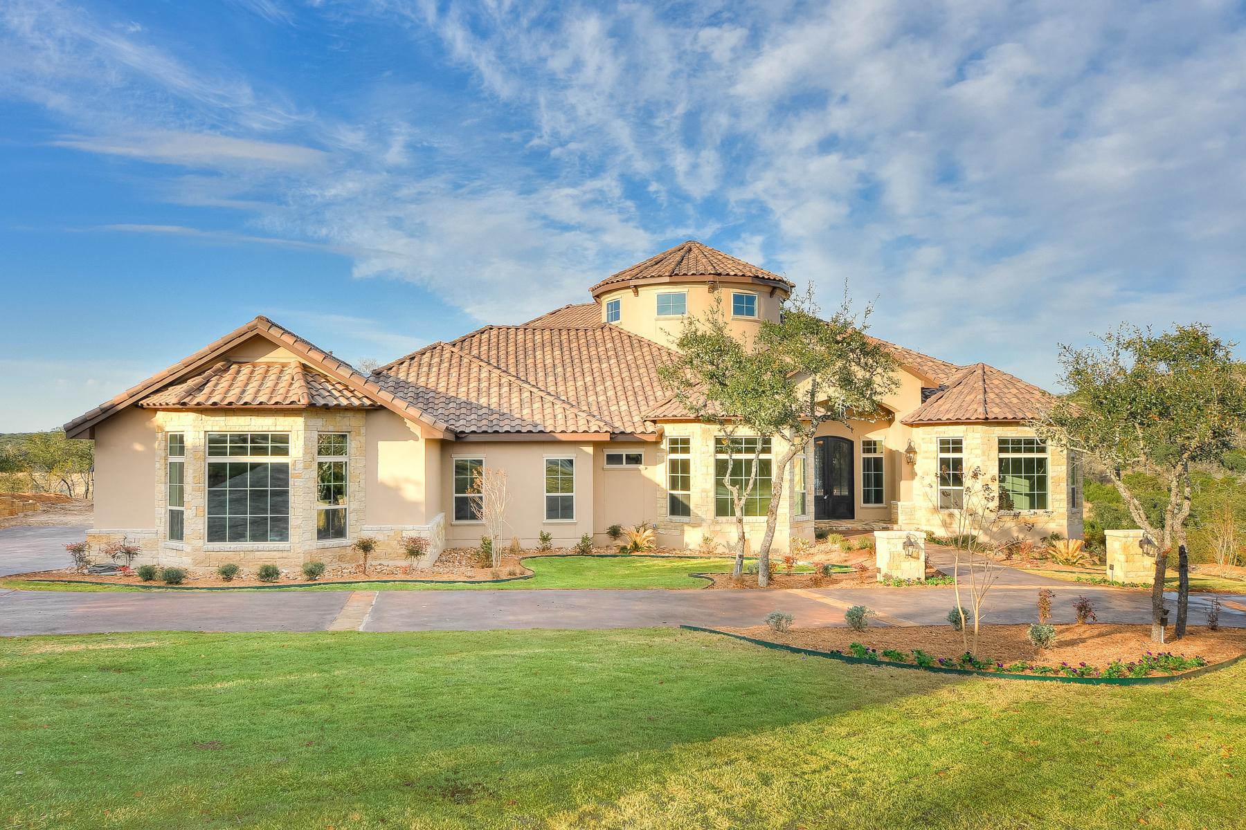 Maison unifamiliale pour l Vente à Great Home in Anaqua Springs Ranch 24927 Caliza Terr Boerne, Texas, 78006 États-Unis