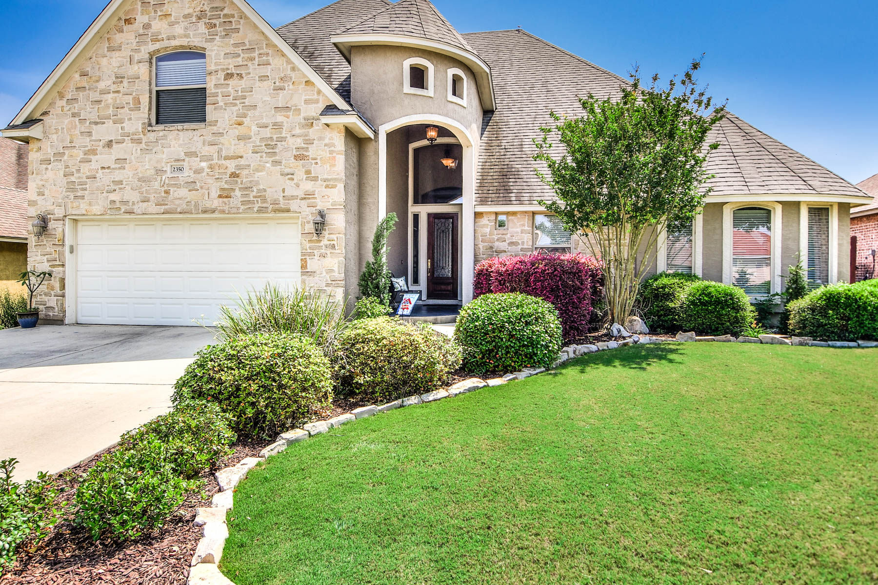 Single Family Home for Sale at Stunning Parker-Built Home in North Ranch Estates 2350 N Ranch Estates New Braunfels, Texas 78130 United States