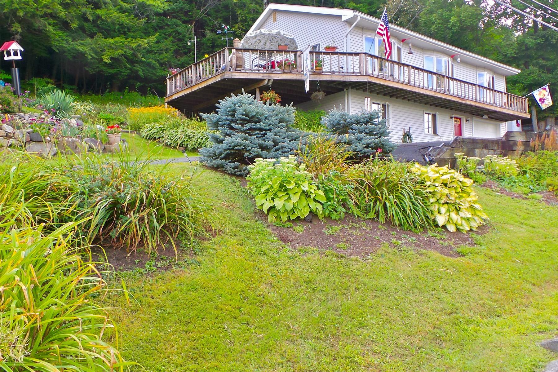 Μονοκατοικία για την Πώληση στο Crystal Lake Views 530 Lake St Barton, Vermont 05822 United States