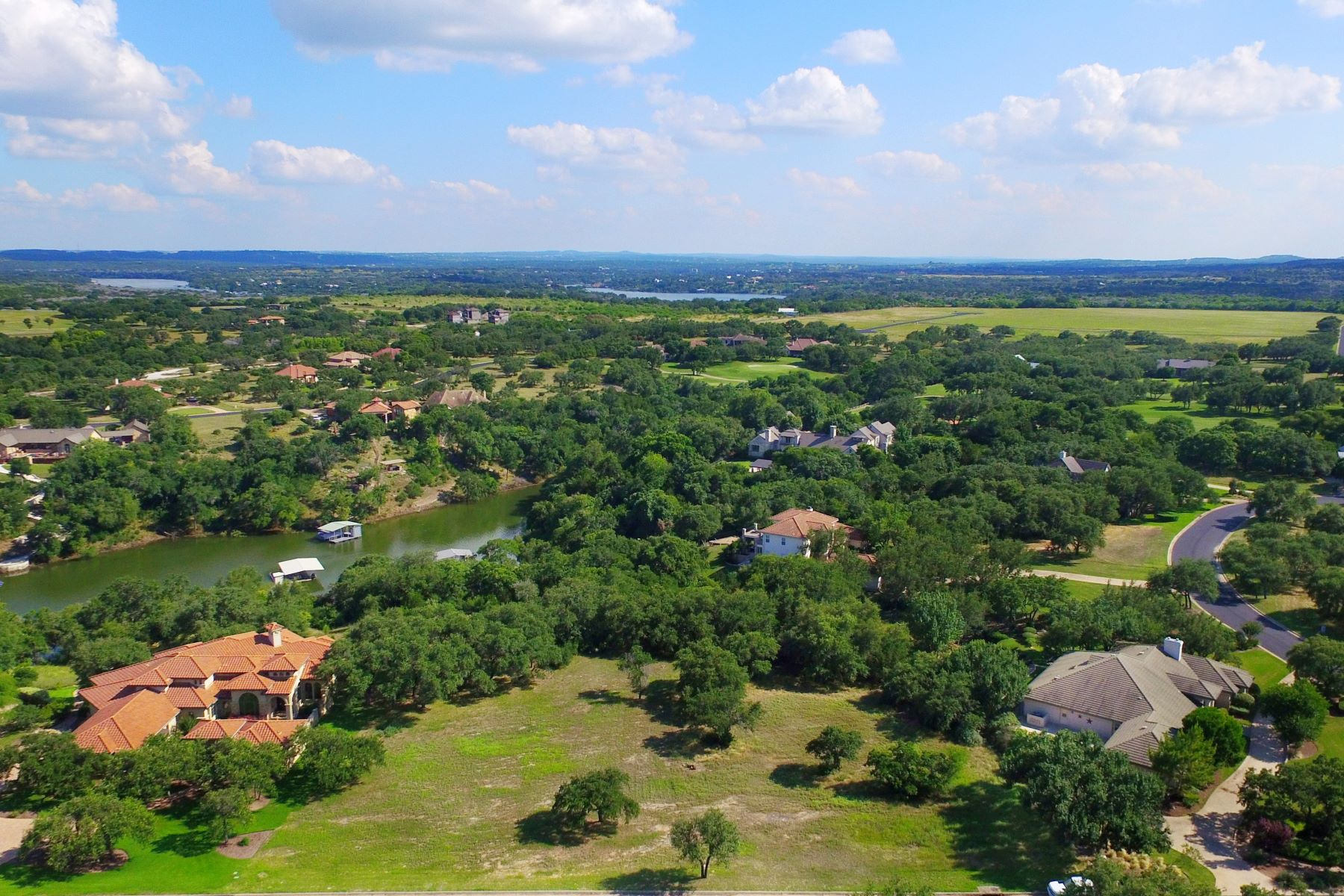 Terreno por un Venta en The Perfect Land for the Perfect Home 26205 Countryside Dr Spicewood, Texas 78669 Estados Unidos