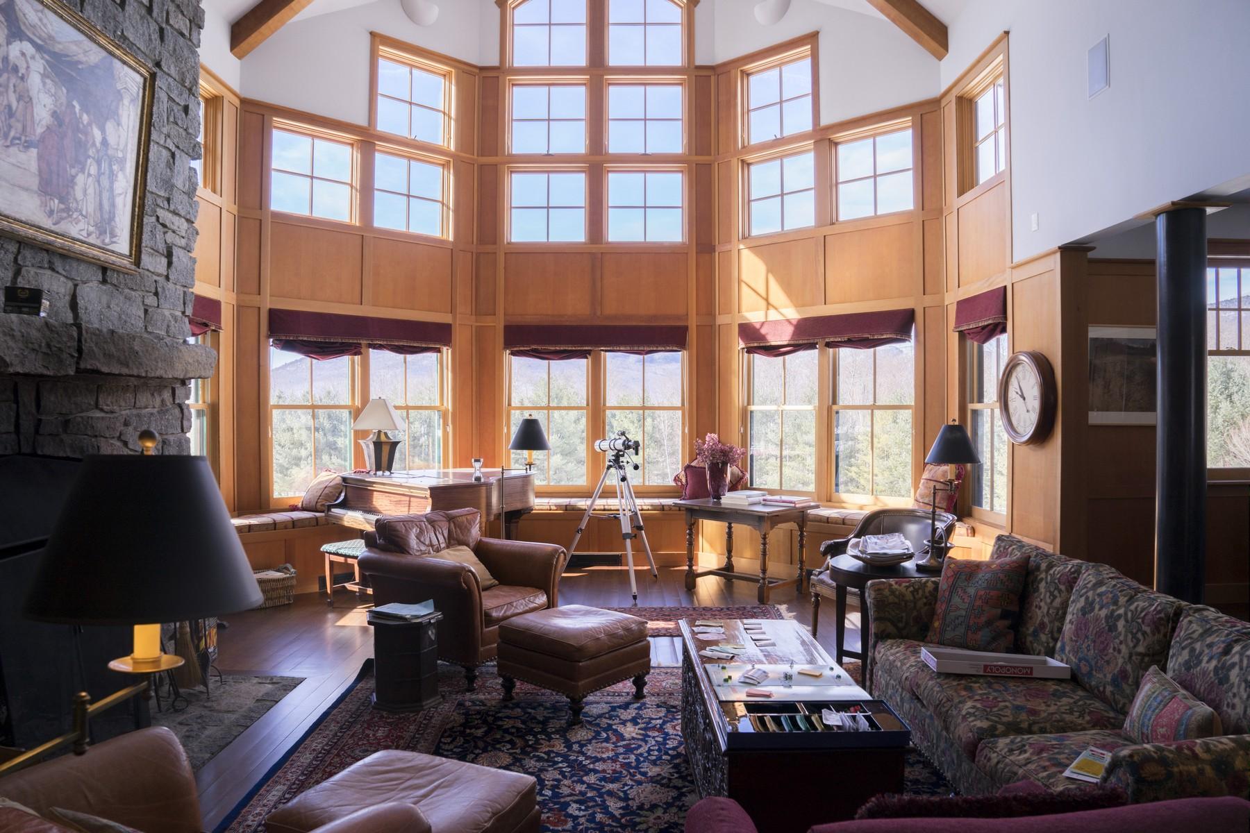 Maison unifamiliale pour l Vente à 111 Thomas Pasture Road, Stowe 111 Thomas Pasture Rd Stowe, Vermont, 05672 États-Unis