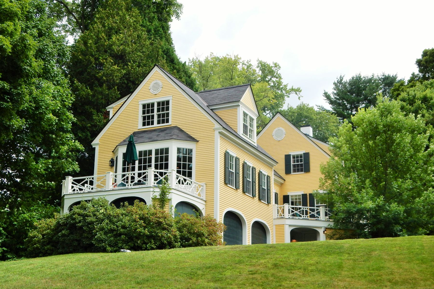 Maison unifamiliale pour l Vente à Immaculate home on Occum Pond in Hanover 14 Rope Ferry Rd Hanover, New Hampshire, 03755 États-Unis