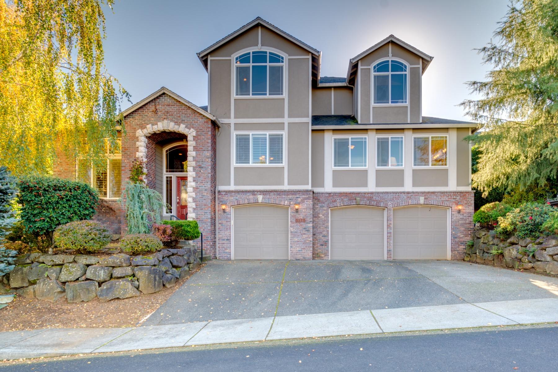Частный односемейный дом для того Продажа на On the Hill in Camas 1616 NW 38TH Ave Camas, Вашингтон 98607 Соединенные Штаты