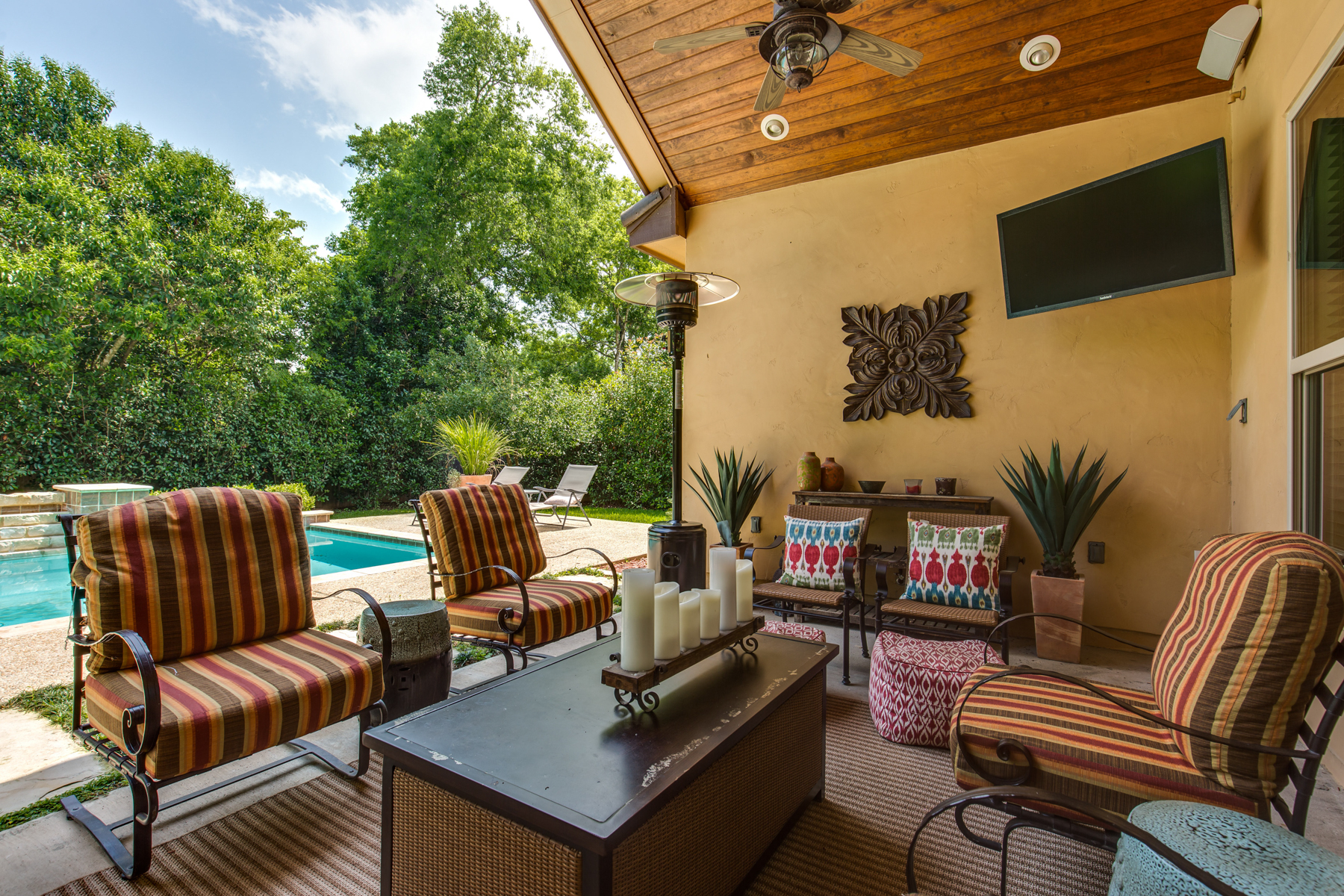 Additional photo for property listing at Grand Mediterranean Estate in Terrell Hills 821 Canterbury Hill St San Antonio, Texas 78209 Estados Unidos