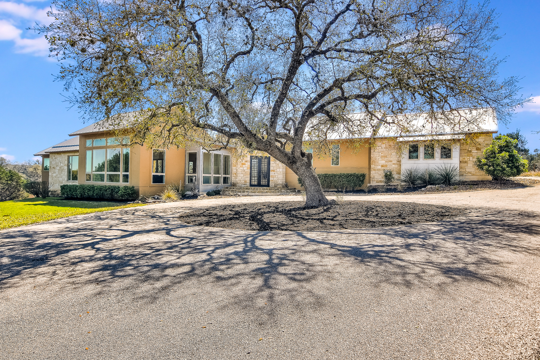 Single Family Home for Sale at Beautiful Modern Home in Cordillera Ranch 318 Park Ridge Boerne, Texas 78006 United States
