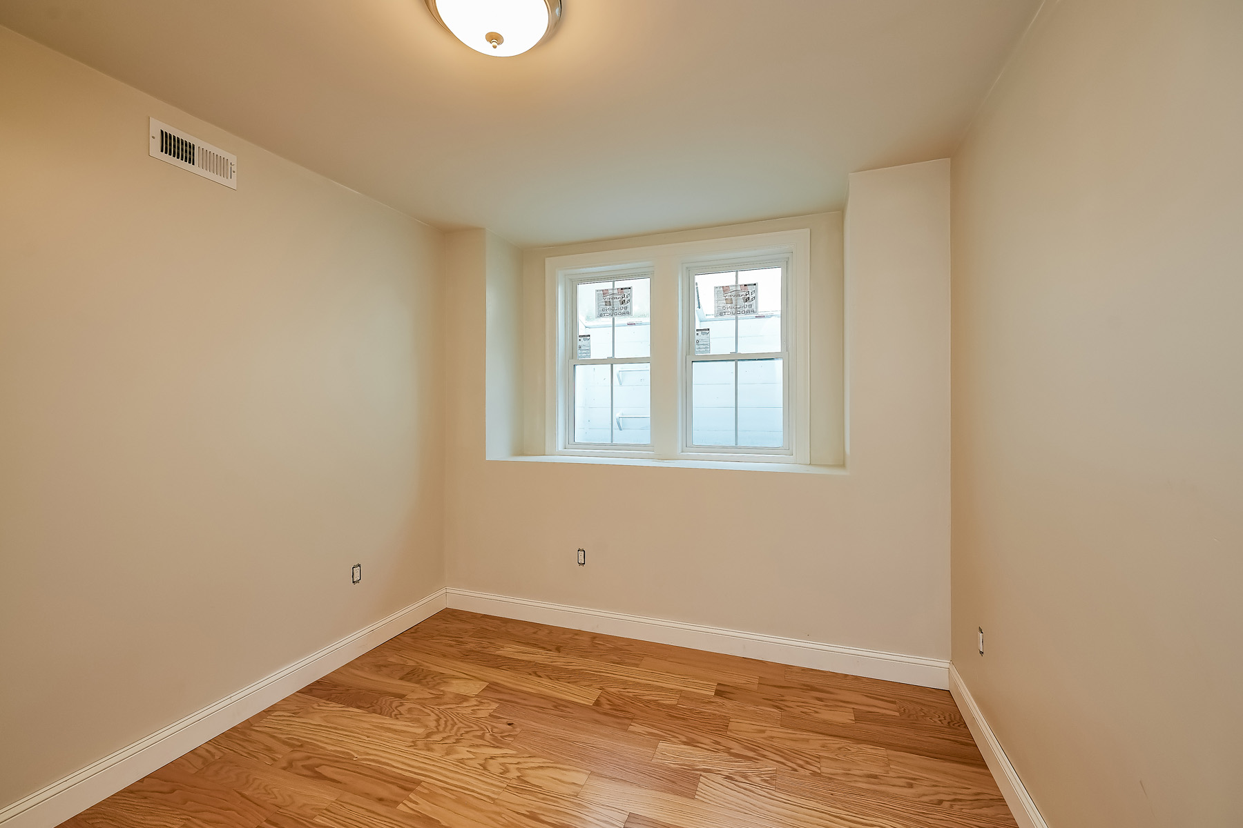 Additional photo for property listing at 41 Cypress St, Newton  Newton, Massachusetts 02459 United States