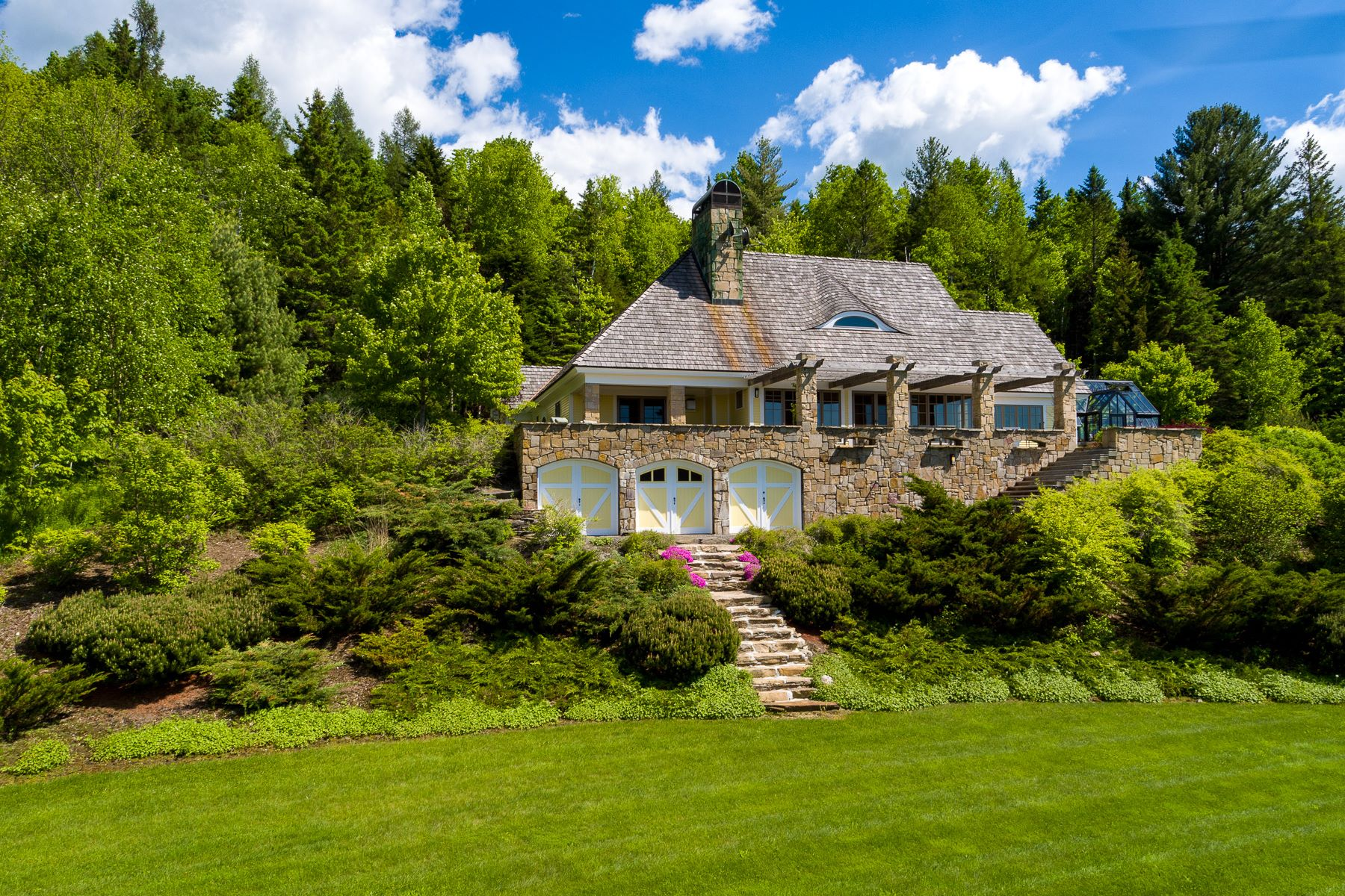 Single Family Homes for Sale at Ash Pond Estate 281 Barnes Brook Road Kirby, Vermont 05851 United States