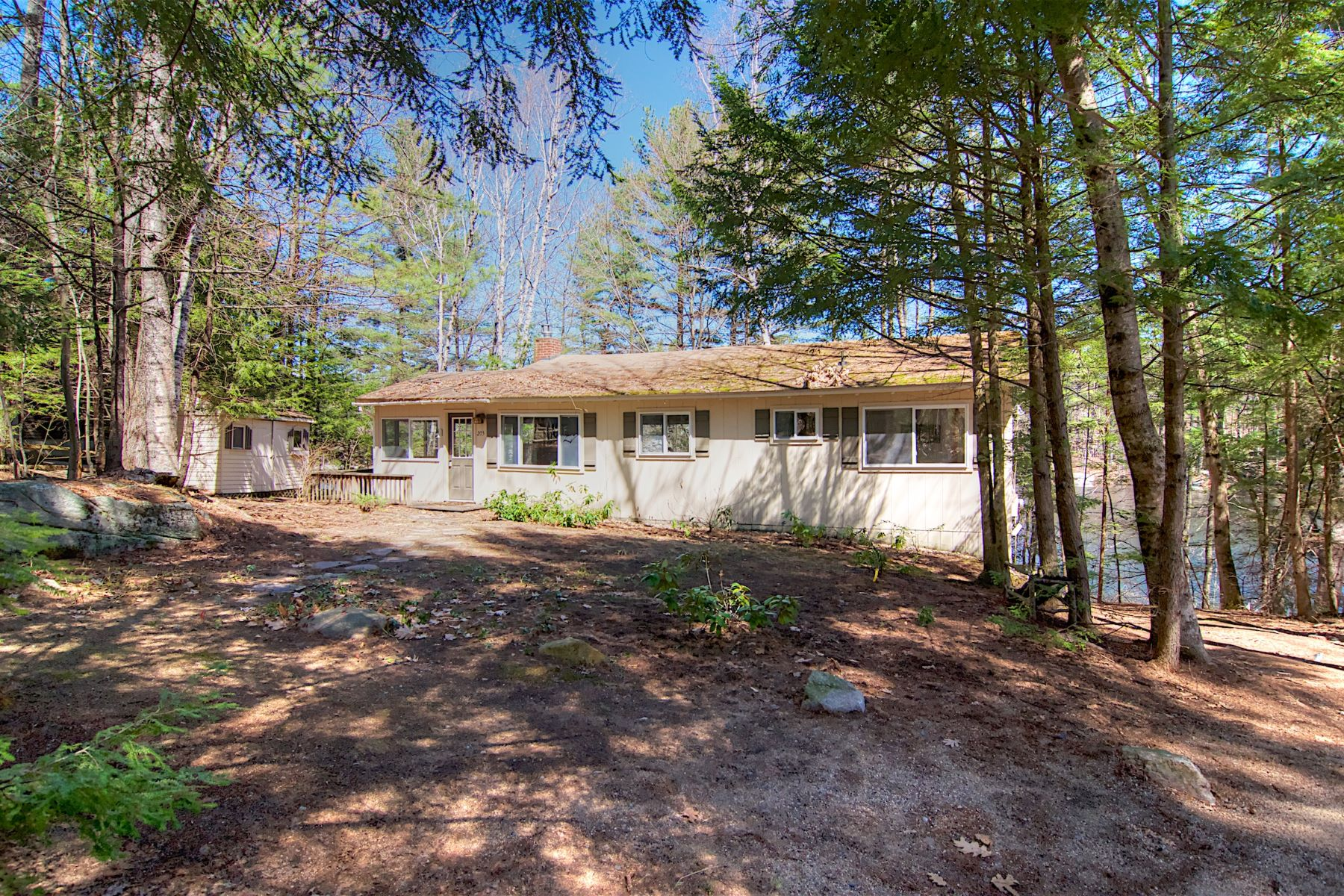Single Family Home for Sale at Stanyan Road on Lake Winnipesaukee 205 Stanyan Moultonborough, New Hampshire 03254 United States