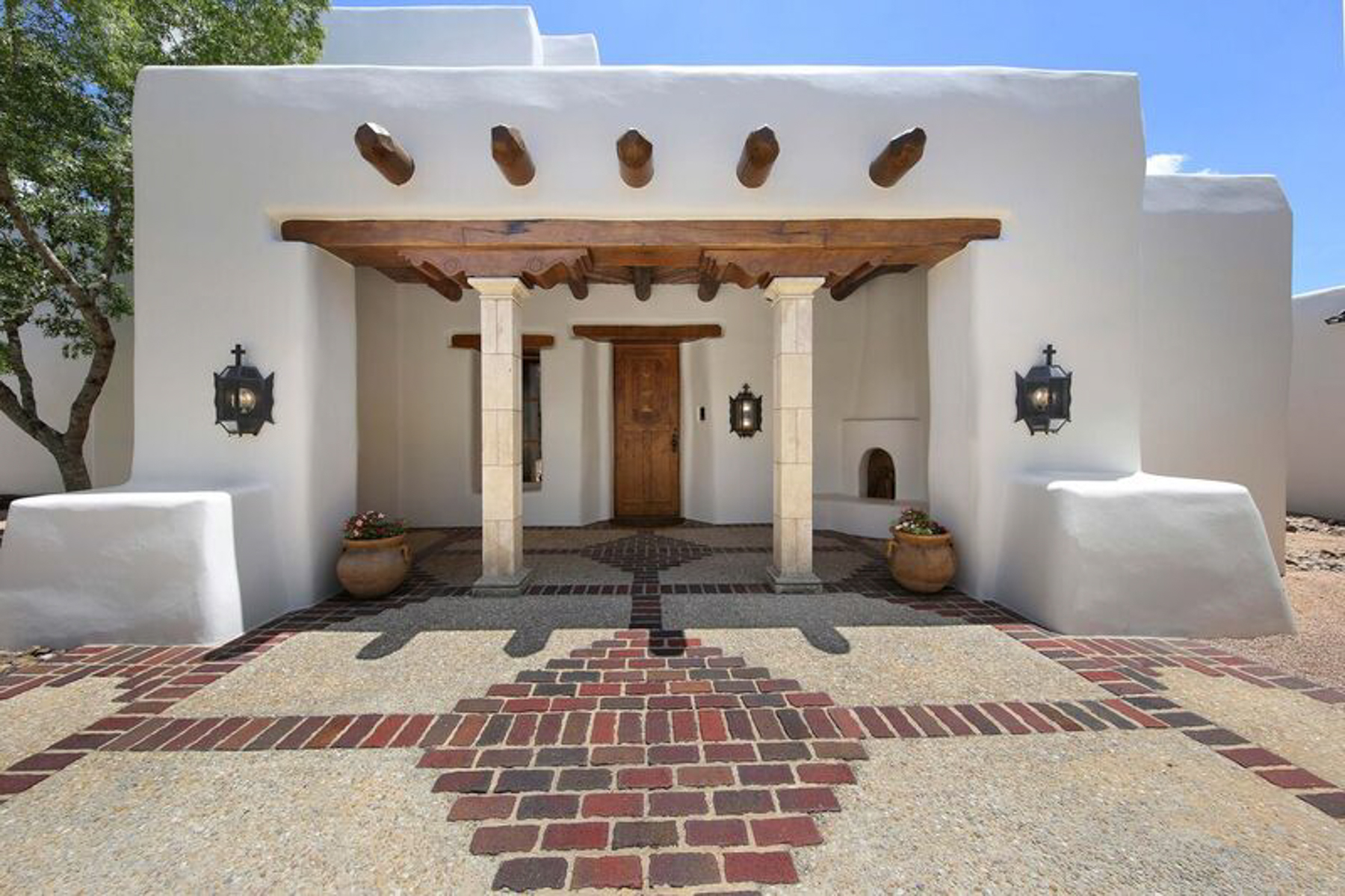 Additional photo for property listing at Luxurious Santa Fe Estate in The Dominion  San Antonio, Texas 78257 United States