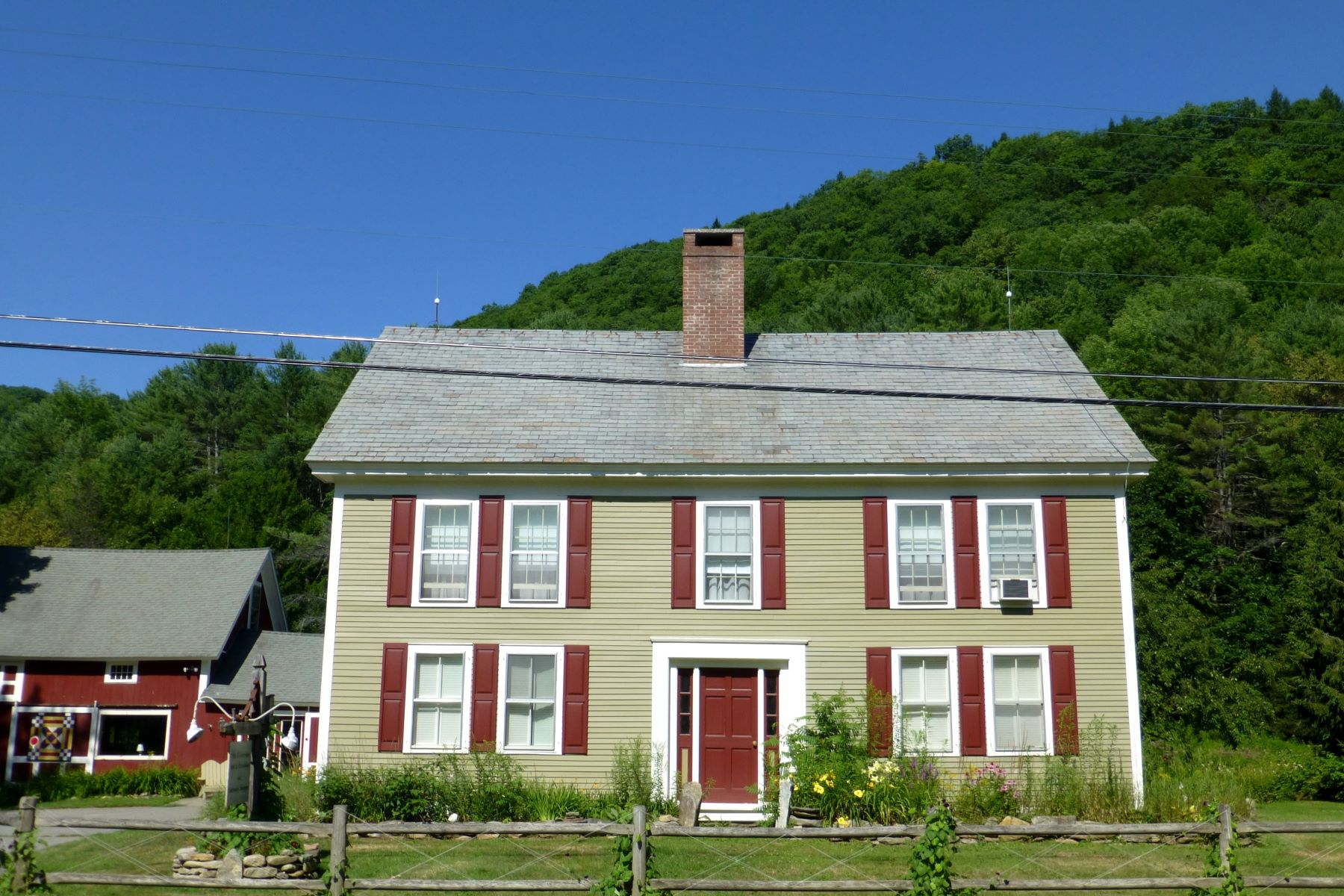 واحد منزل الأسرة للـ Sale في Olde Farmhouse 1169 Grafton Rd Townshend, Vermont, 05353 United States