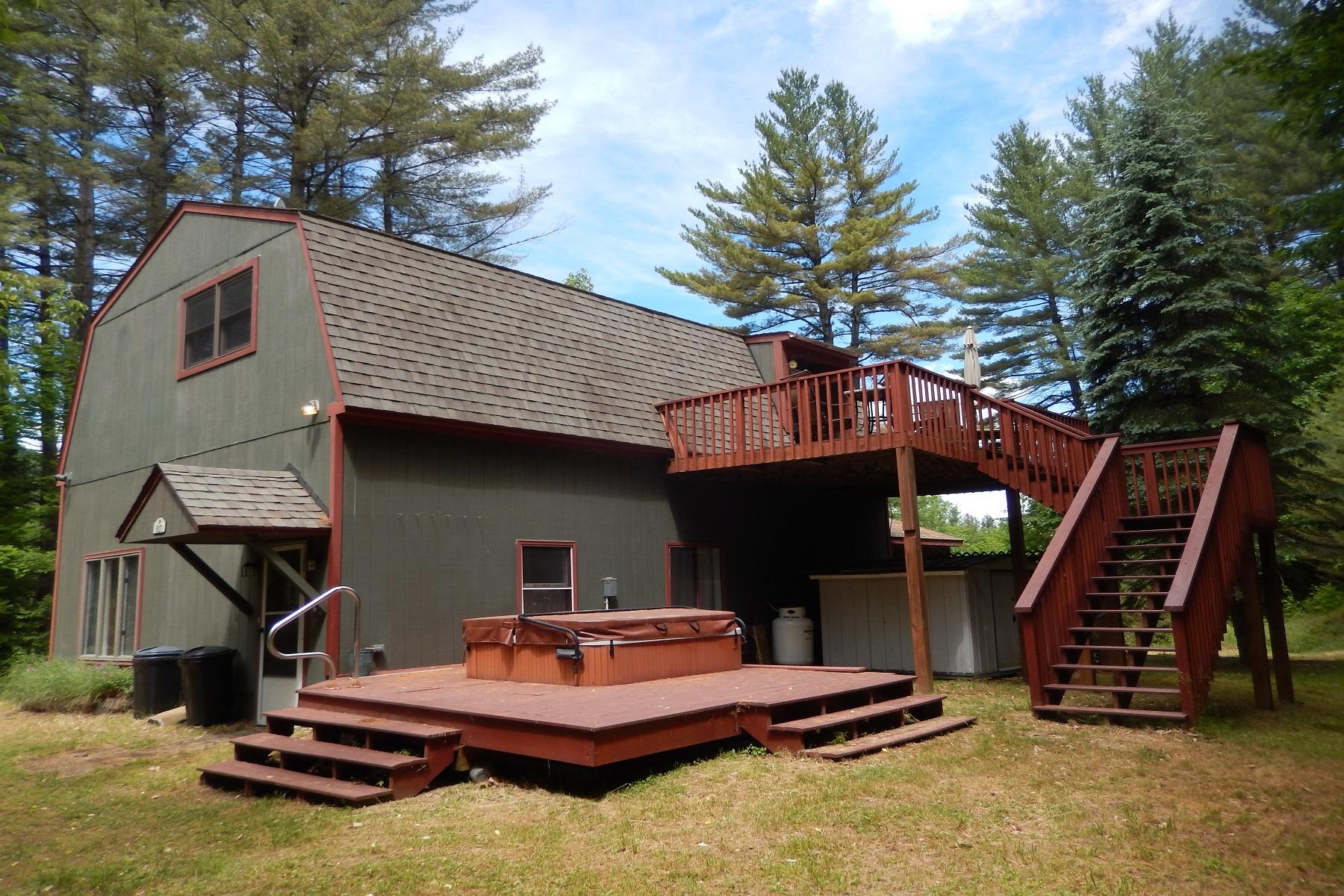 واحد منزل الأسرة للـ Sale في Spacious ~ Affordable ~ Versatile 1810 Route 103 Cavendish, Vermont, 05142 United States