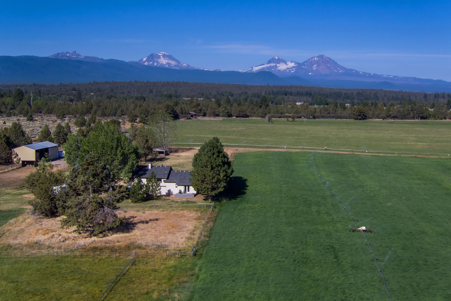 Maison unifamiliale pour l Vente à Lush & Totally Private in Tumalo! 18910 Pinehurst Rd Bend, Oregon, 97703 États-Unis