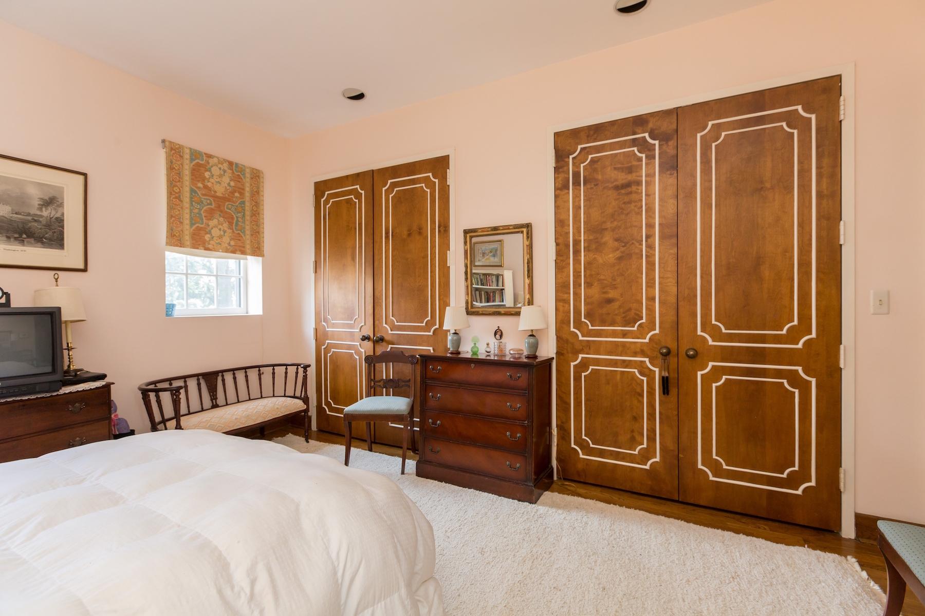 Additional photo for property listing at Rarely Available: Historic Georgetown Condominium 1527 30th Street Nw B21 Washington, Περιφερεια Τησ Κολουμπια 20007 Ηνωμενεσ Πολιτειεσ