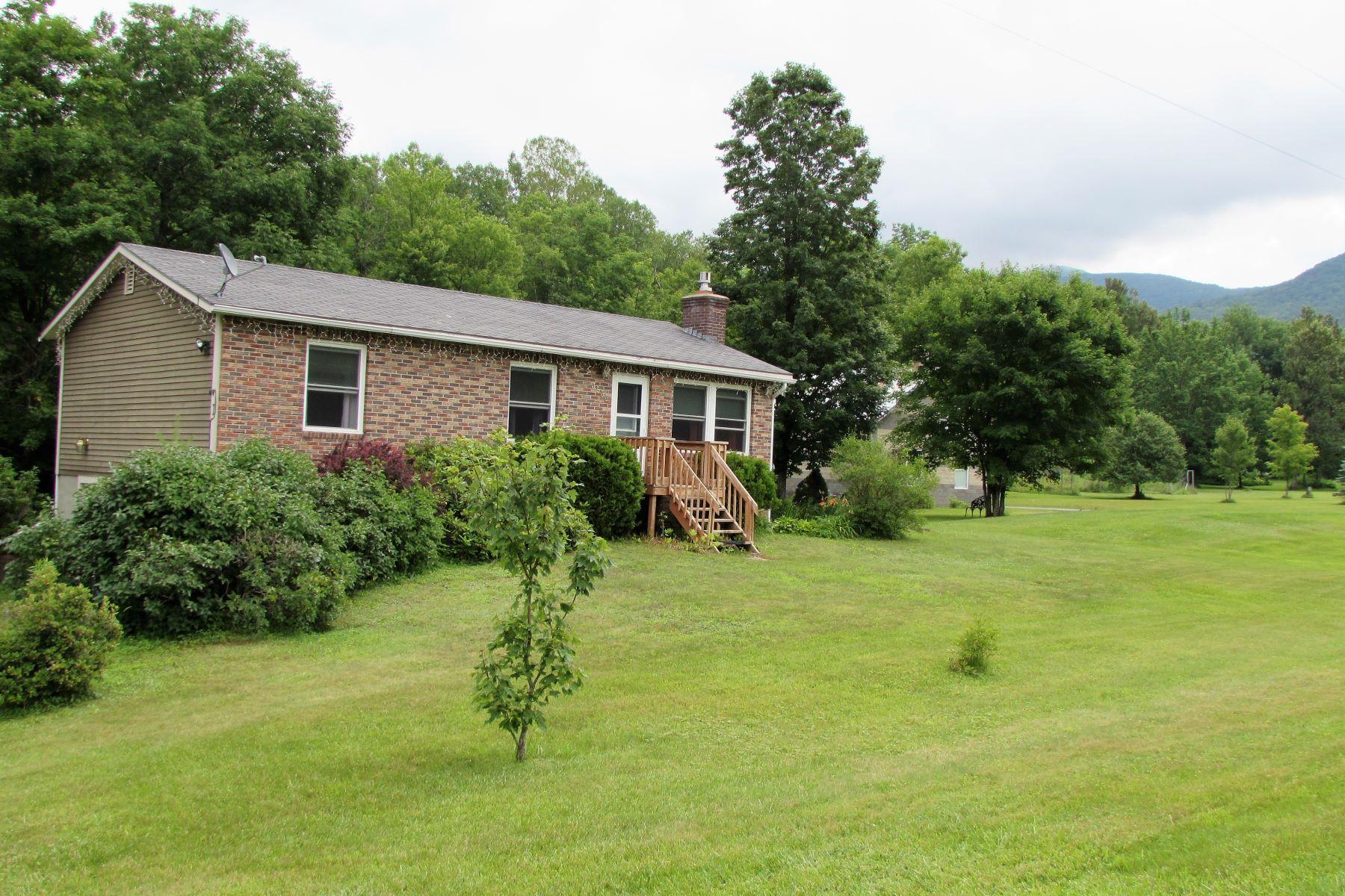 واحد منزل الأسرة للـ Sale في 3533 Nashville, Bolton Bolton, Vermont, 05465 United States
