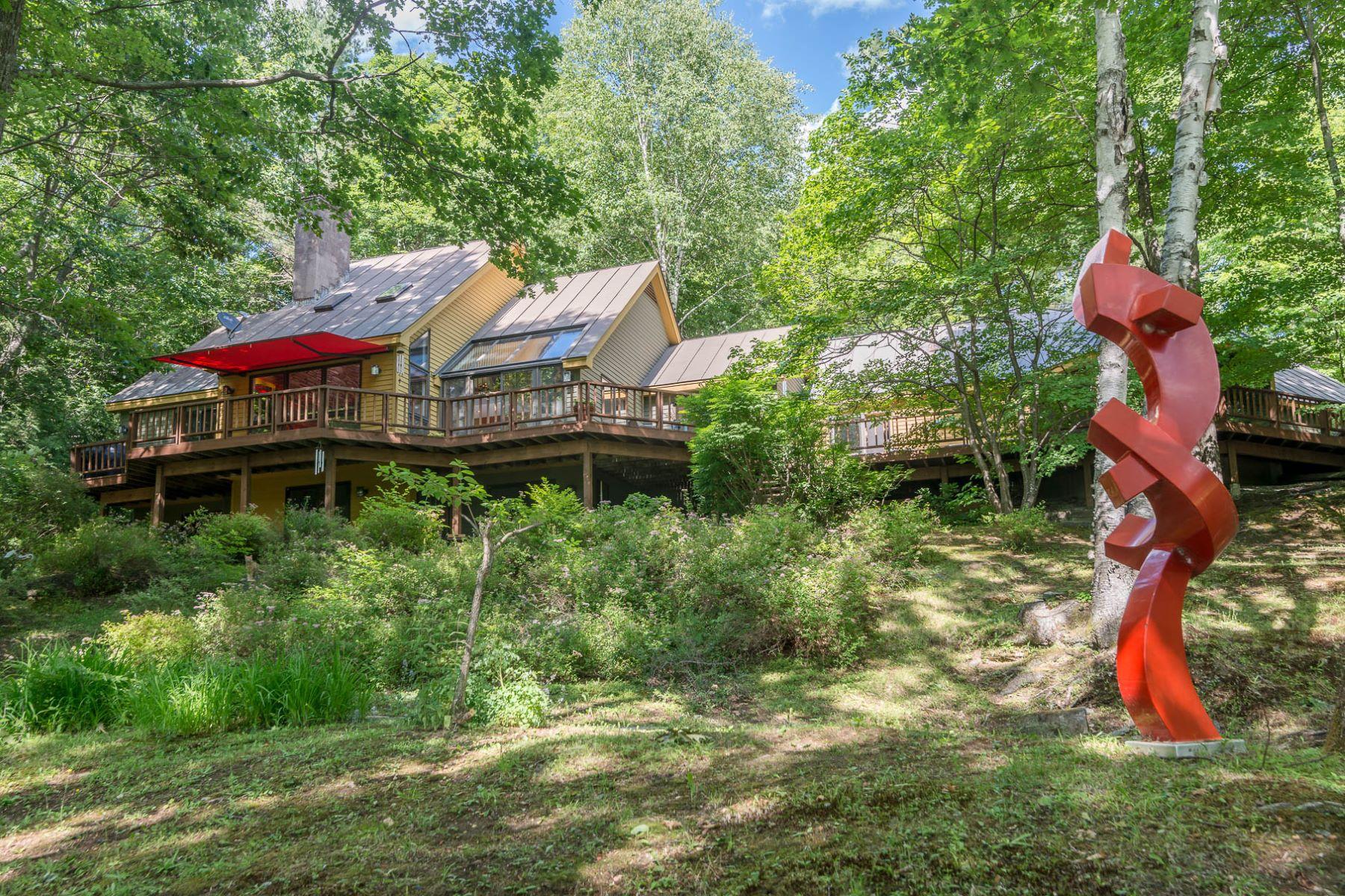 Частный односемейный дом для того Продажа на 81 Remember Baker Ln, Hartford Hartford, Вермонт, 05059 Соединенные Штаты