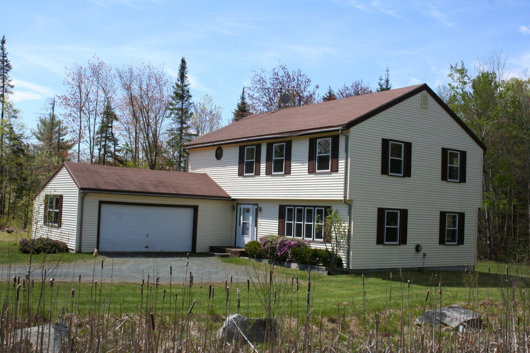 Moradia para Venda às 45 Old County Road South, Newbury Newbury, New Hampshire, 03255 Estados Unidos