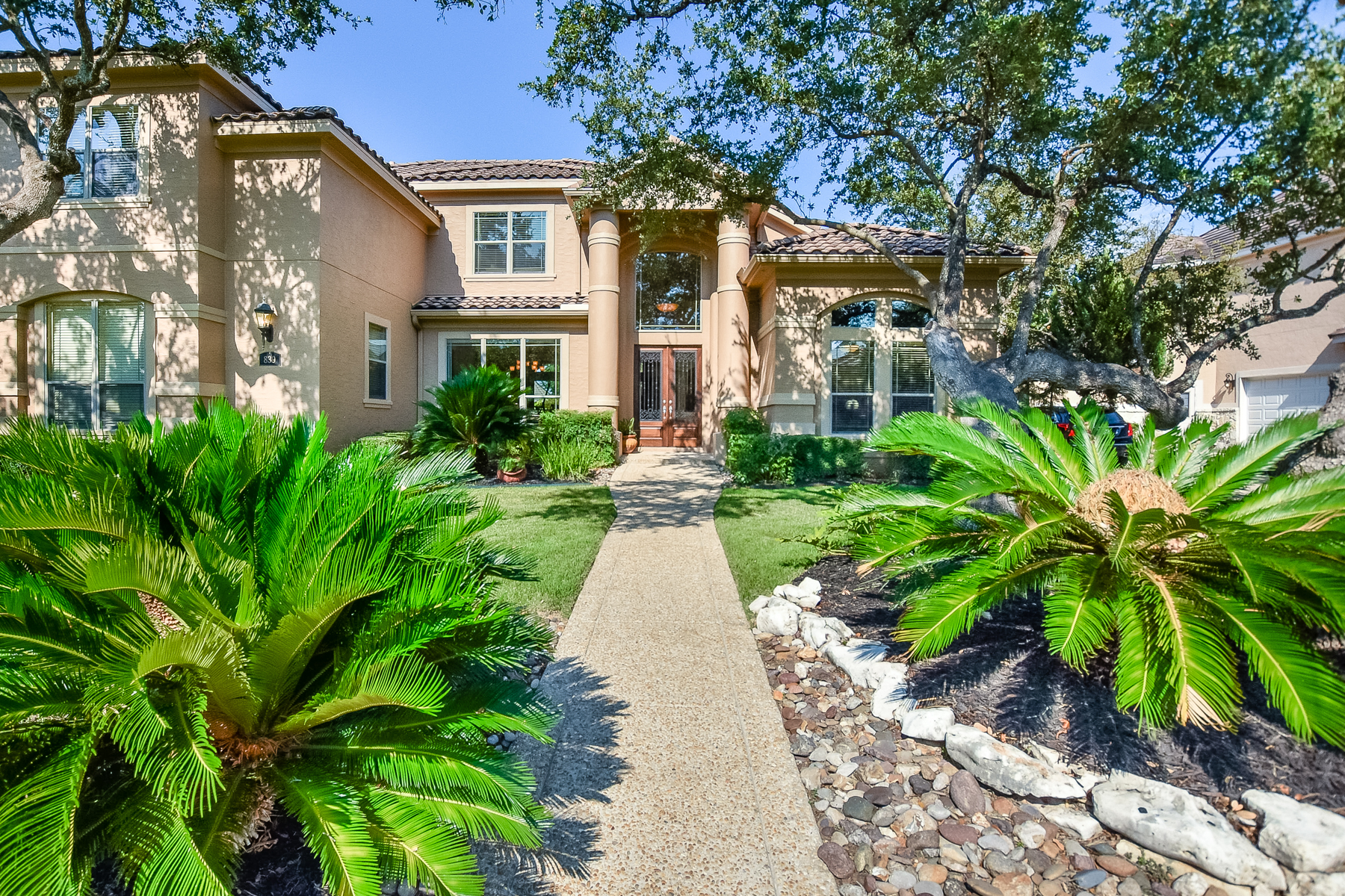 Single Family Home for Sale at Immaculate Home in Estates at Canyon Springs 839 Hansen Grns San Antonio, Texas, 78260 United States