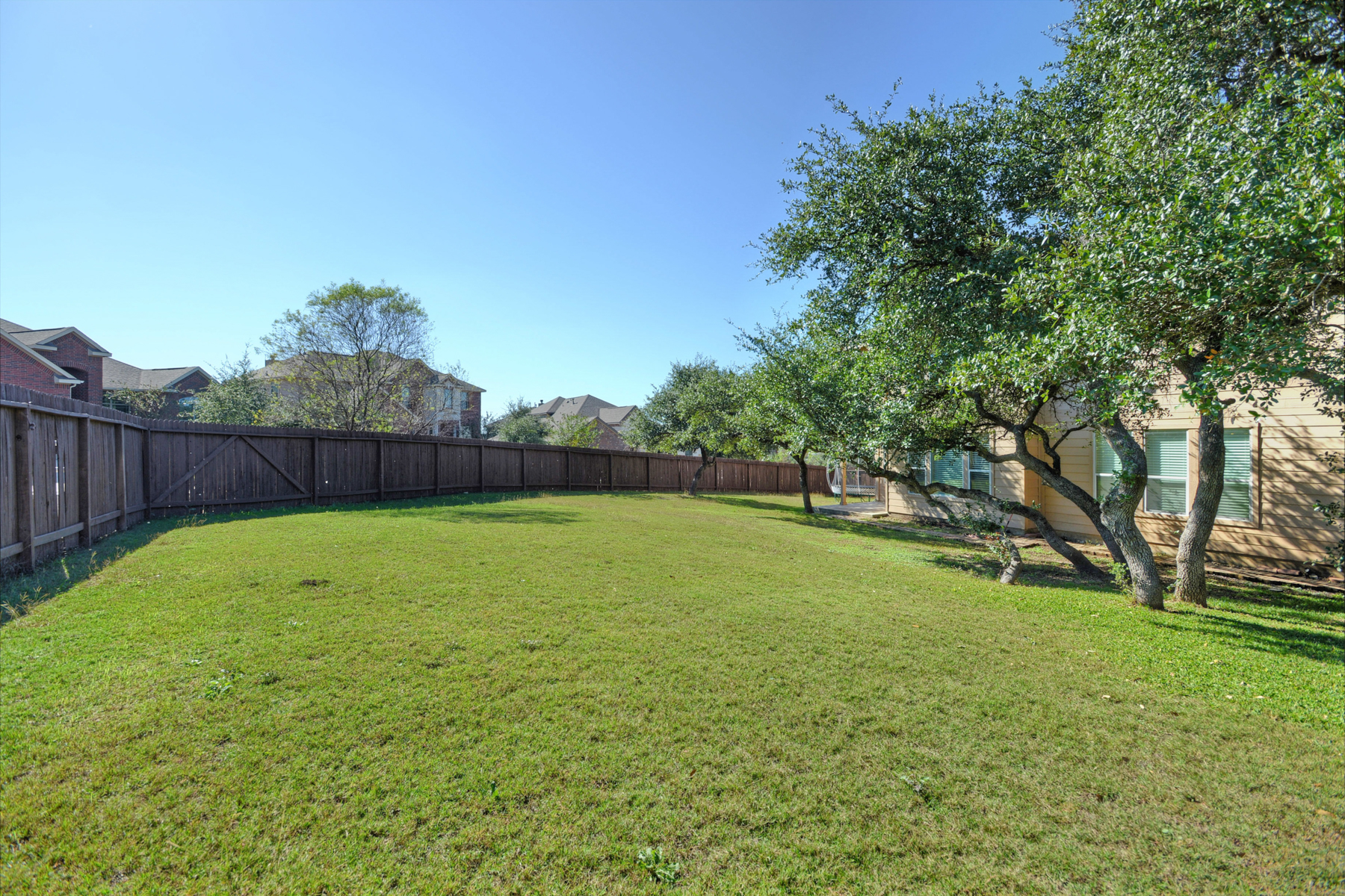Additional photo for property listing at Exceptional Rental in Bulverde Village 25522 Willard Path San Antonio, Texas 78261 United States