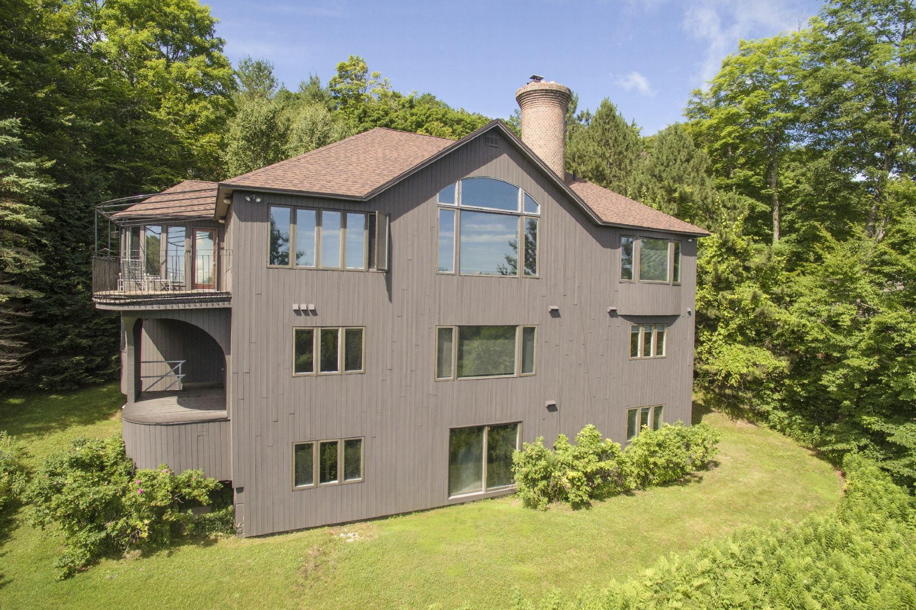 Single Family Home for Sale at 32 Windtree Road Rd, Winhall Winhall, Vermont, 05340 United States