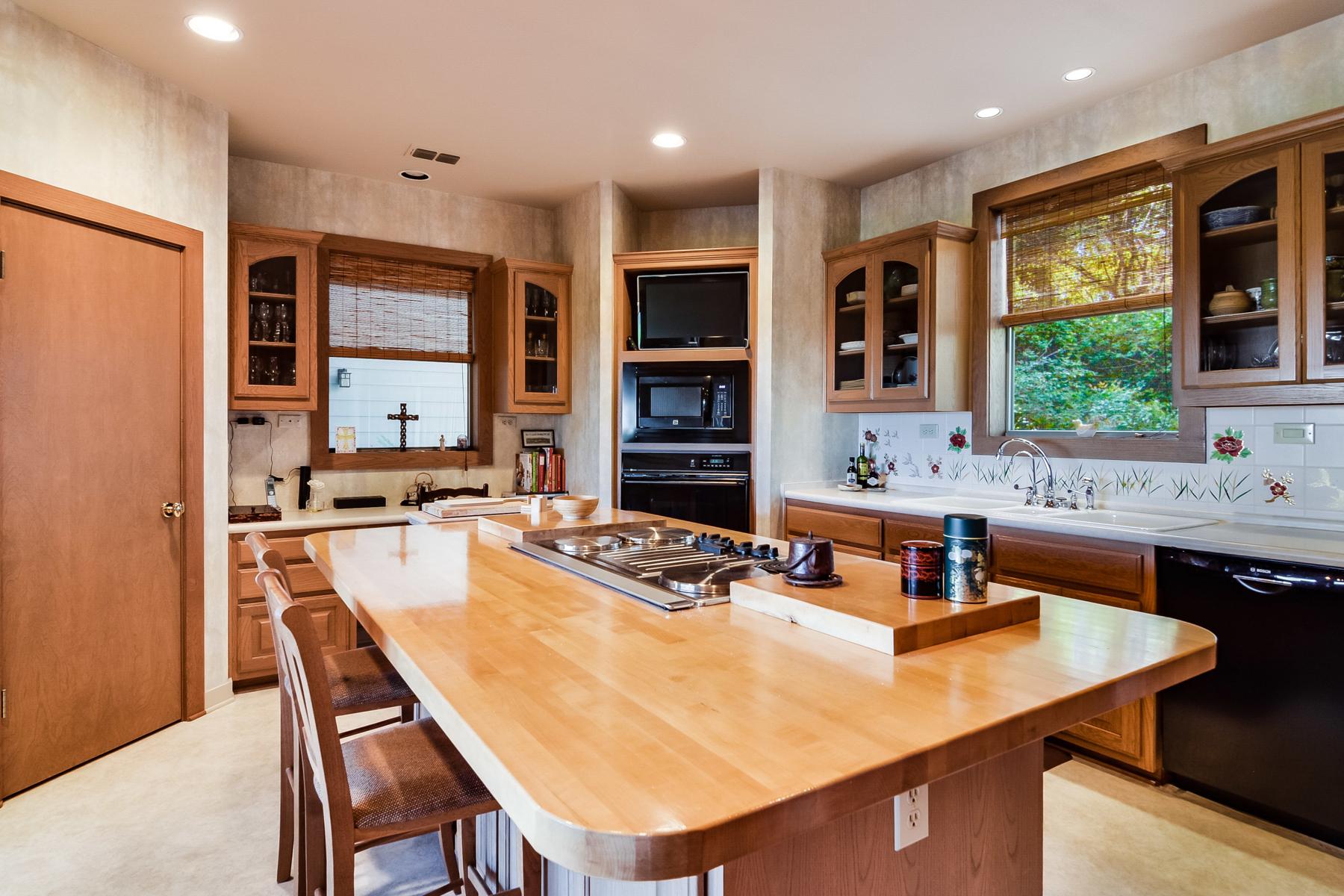 Additional photo for property listing at Custom Home in Boerne! 26714 Karsch Rd Boerne, Texas 78006 Estados Unidos
