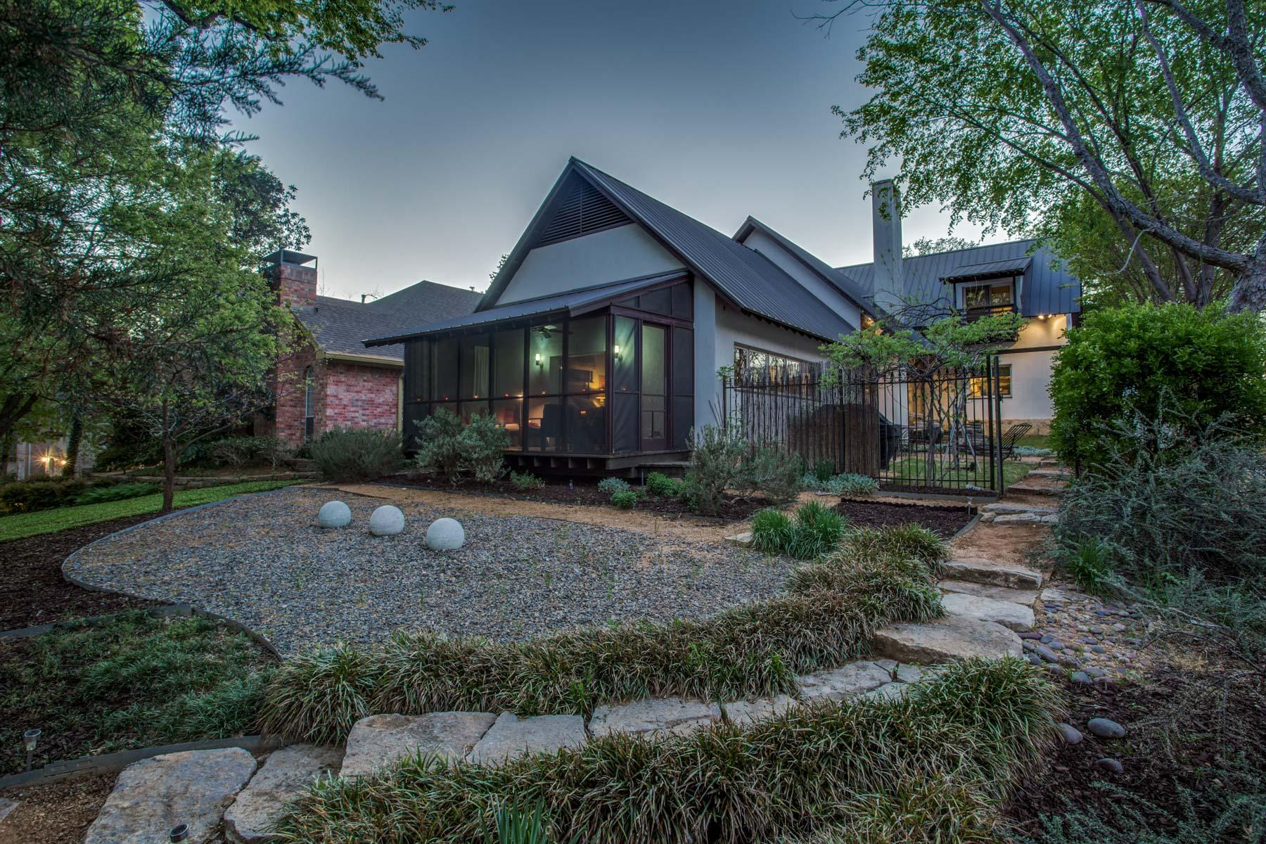 Villa per Vendita alle ore 8605 White Rock Trail, Dallas 8605 White Rock Trl Dallas, Texas, 75238 Stati Uniti