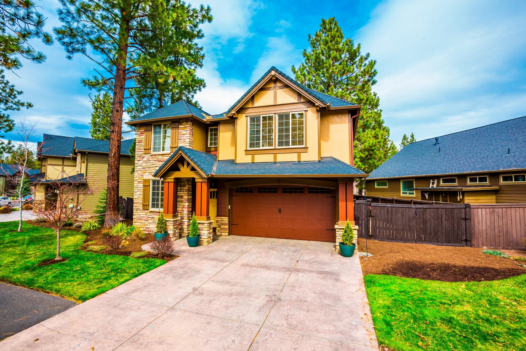 Maison unifamiliale pour l Vente à Quality 1 Owner Home in Stonegate 60334 Sage Stone Loop Bend, Oregon, 97702 États-Unis