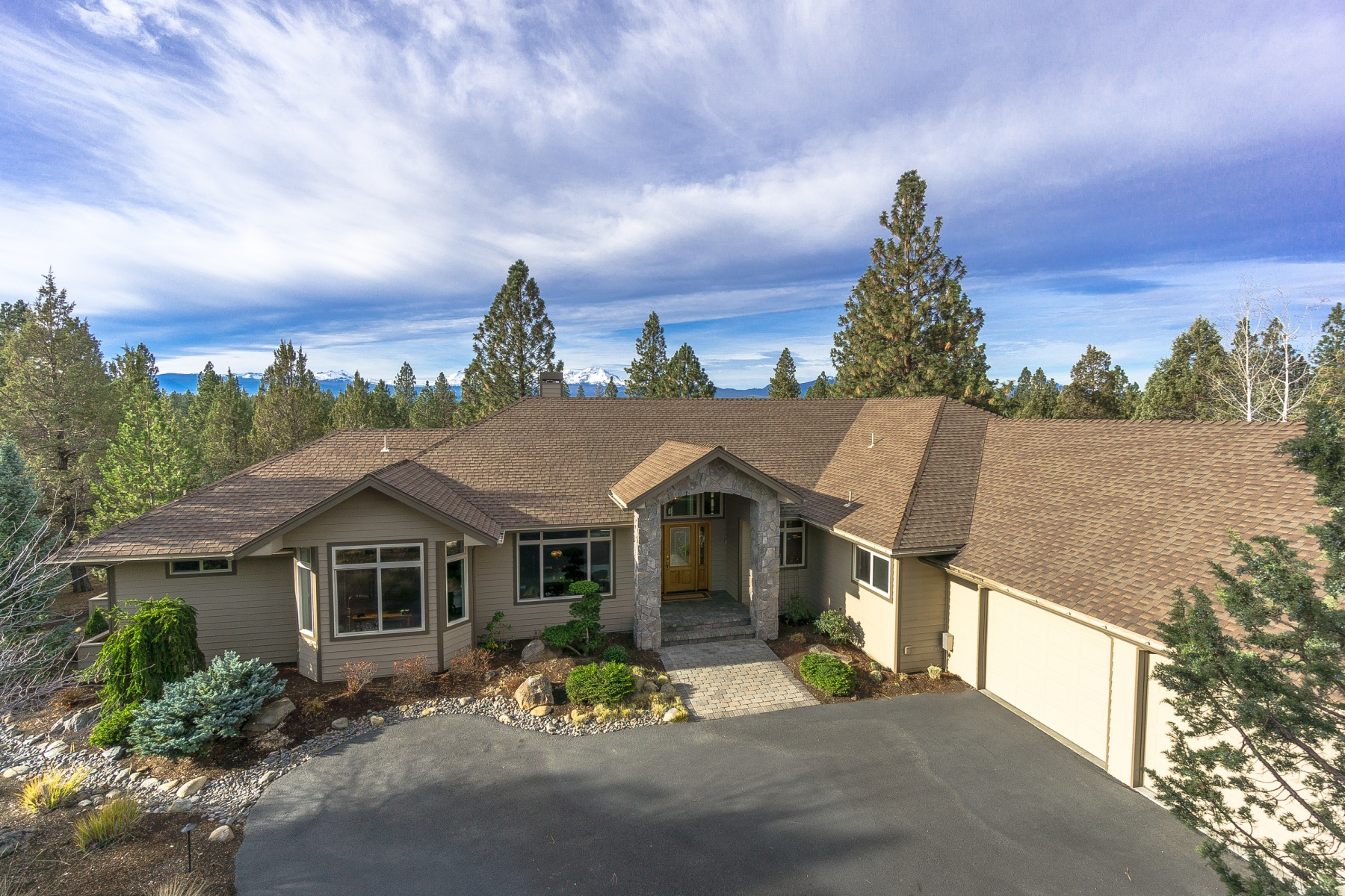 Single Family Home for Sale at Estates at Aspen Lakes Golf Course 16911 Lady Caroline Dr Sisters, Oregon, 97759 United States